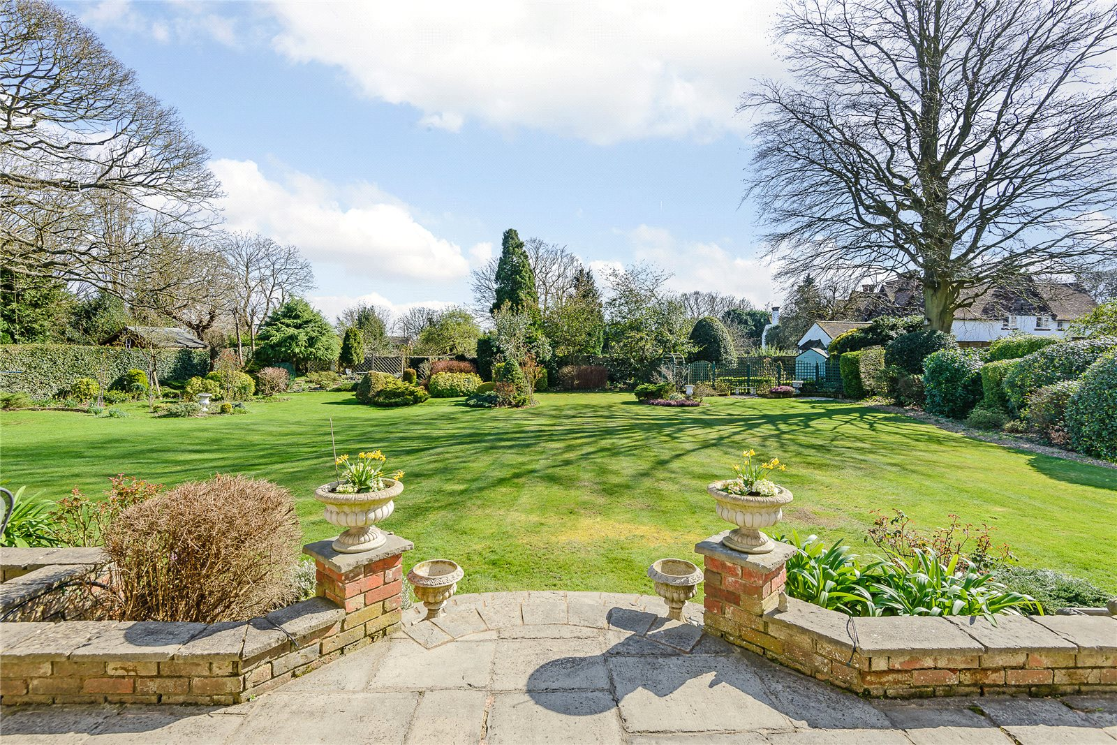Additional photo for property listing at Austenway, Chalfont St Peter, Gerrards Cross, Buckinghamshire, SL9 Gerrards Cross, Αγγλια