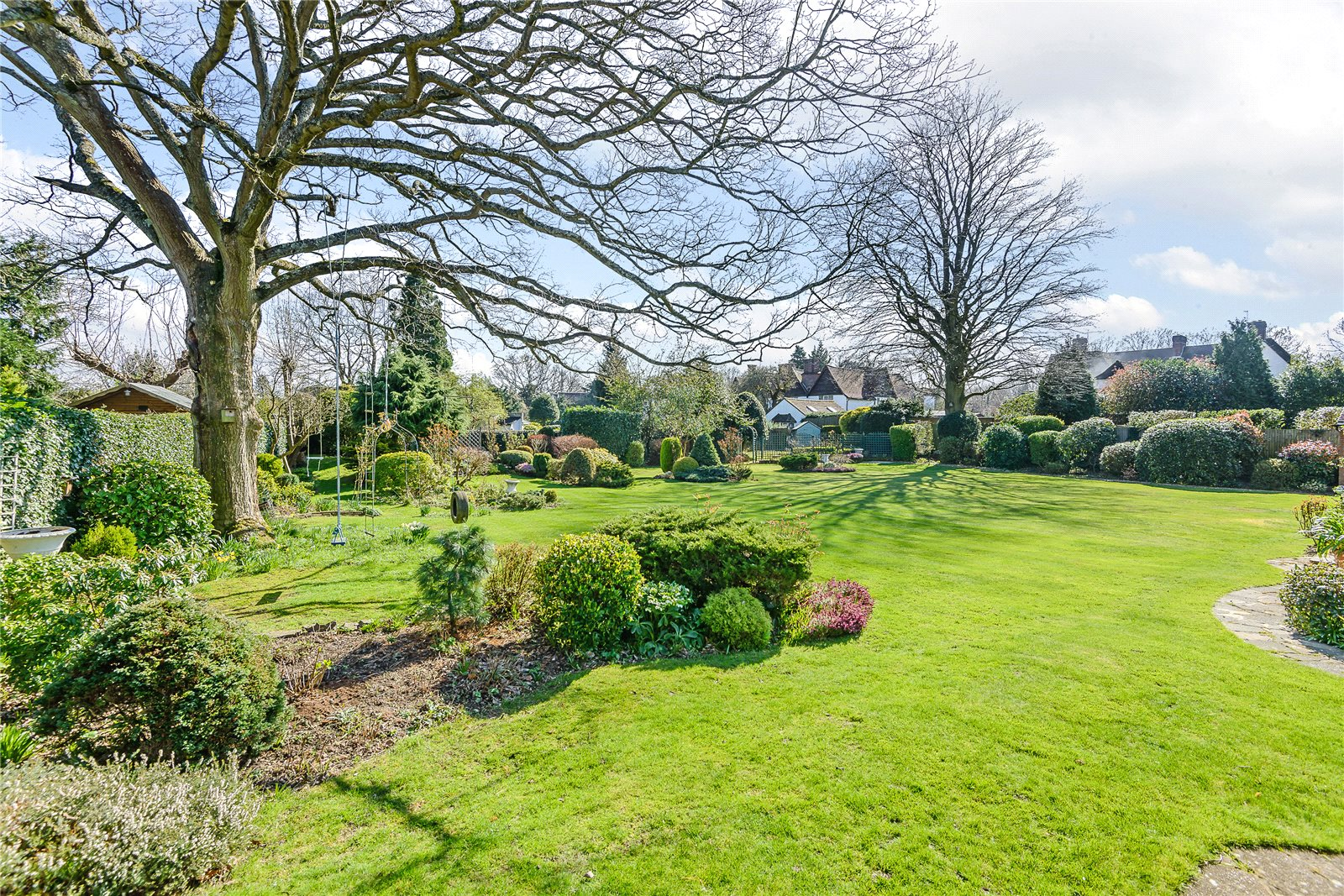 Additional photo for property listing at Austenway, Chalfont St Peter, Gerrards Cross, Buckinghamshire, SL9 Gerrards Cross, Inglaterra