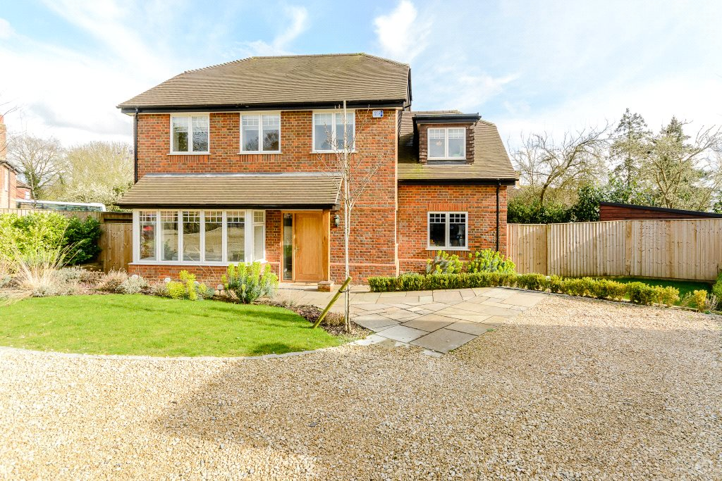 独户住宅 为 销售 在 Spring Court, Spring Lane, Farnham Royal, Berkshire, SL2 Farnham Royal, 英格兰