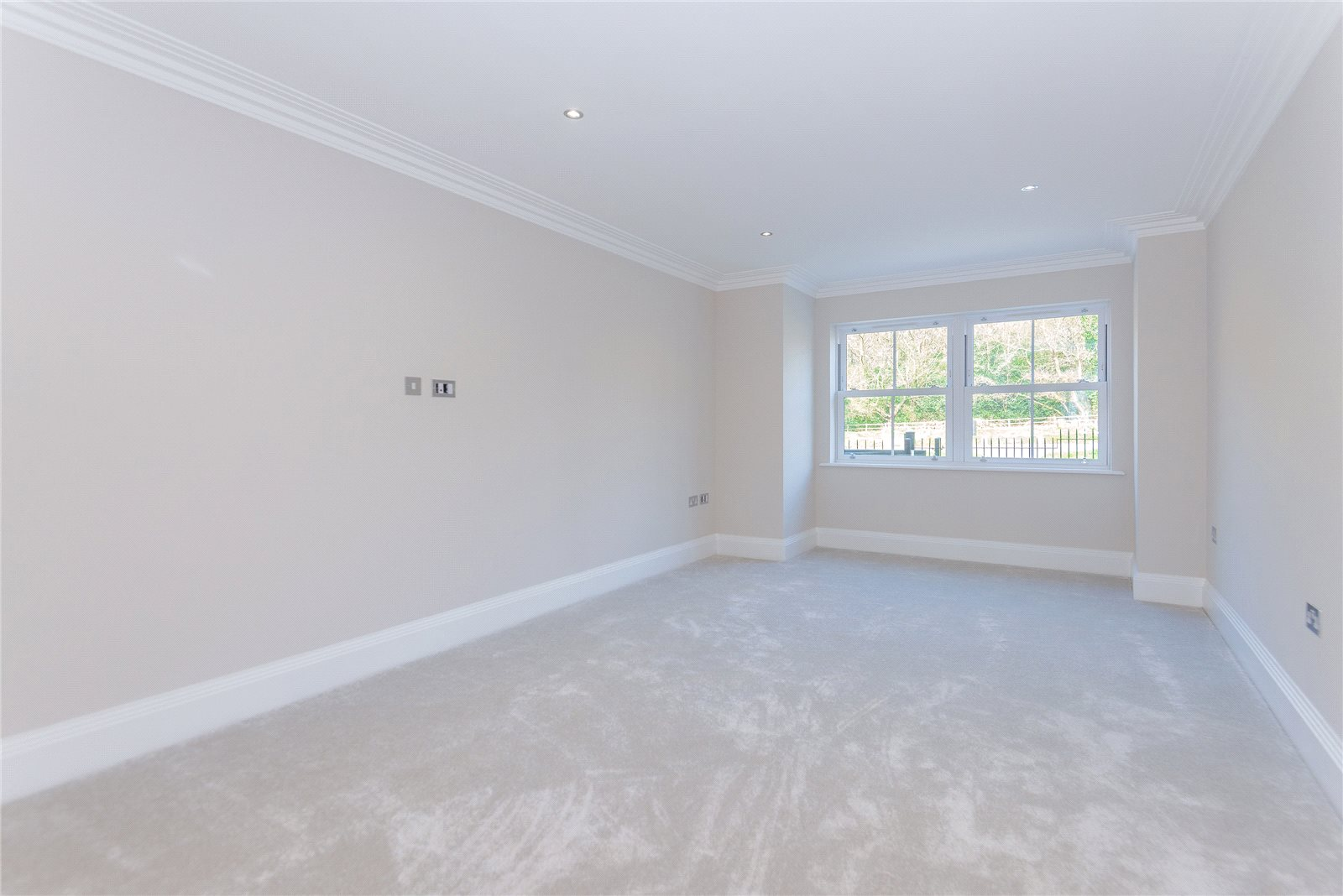 Additional photo for property listing at Stag House, Hawthorne Lane, Farnham Common, Buckinghamshire, SL2 Farnham Common, Inglaterra