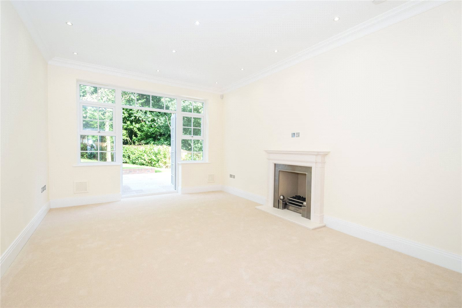 Additional photo for property listing at Strawberry Hill, Gerrards Cross, Buckinghamshire, SL9 Gerrards Cross, 英格兰
