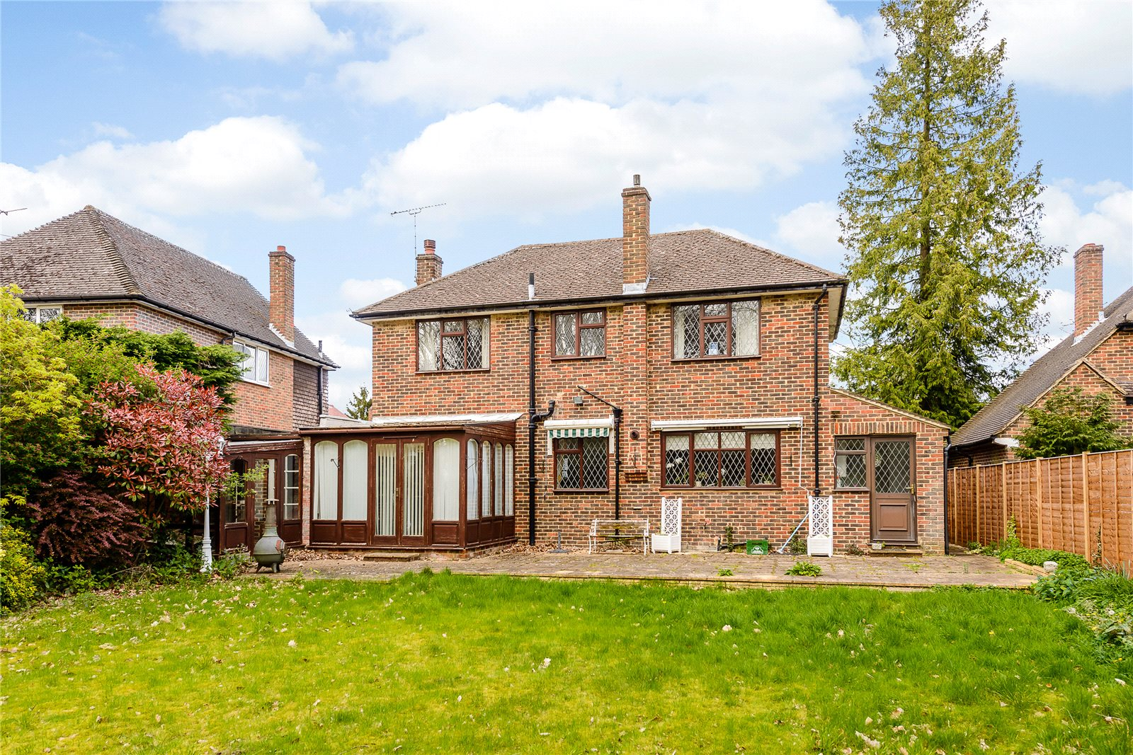 Additional photo for property listing at High Beeches, Gerrards Cross, Buckinghamshire, SL9 Gerrards Cross, Engeland