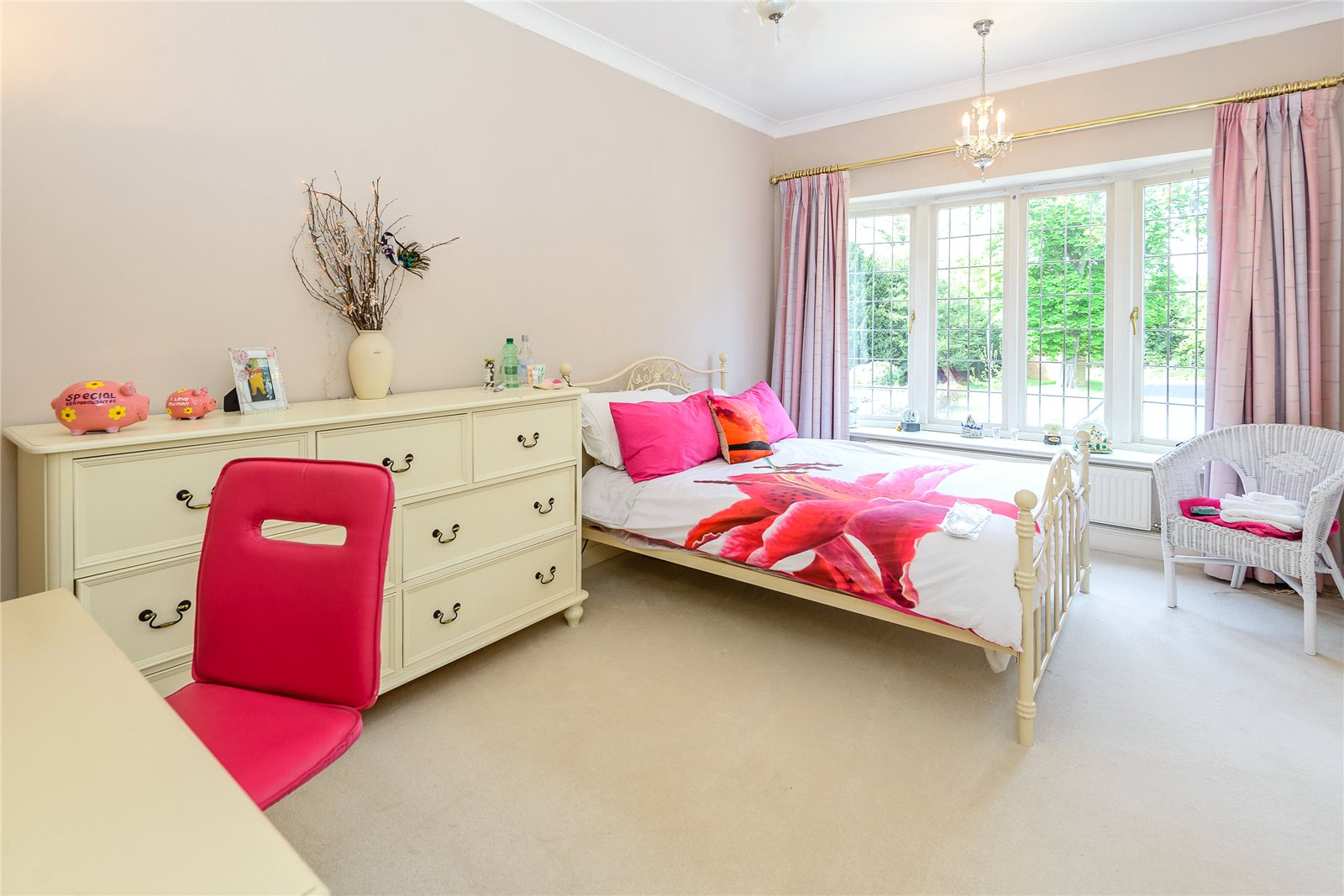 Additional photo for property listing at Kemsley Chase, Farnham Royal, Berkshire, SL2 Farnham Royal, Ingiltere