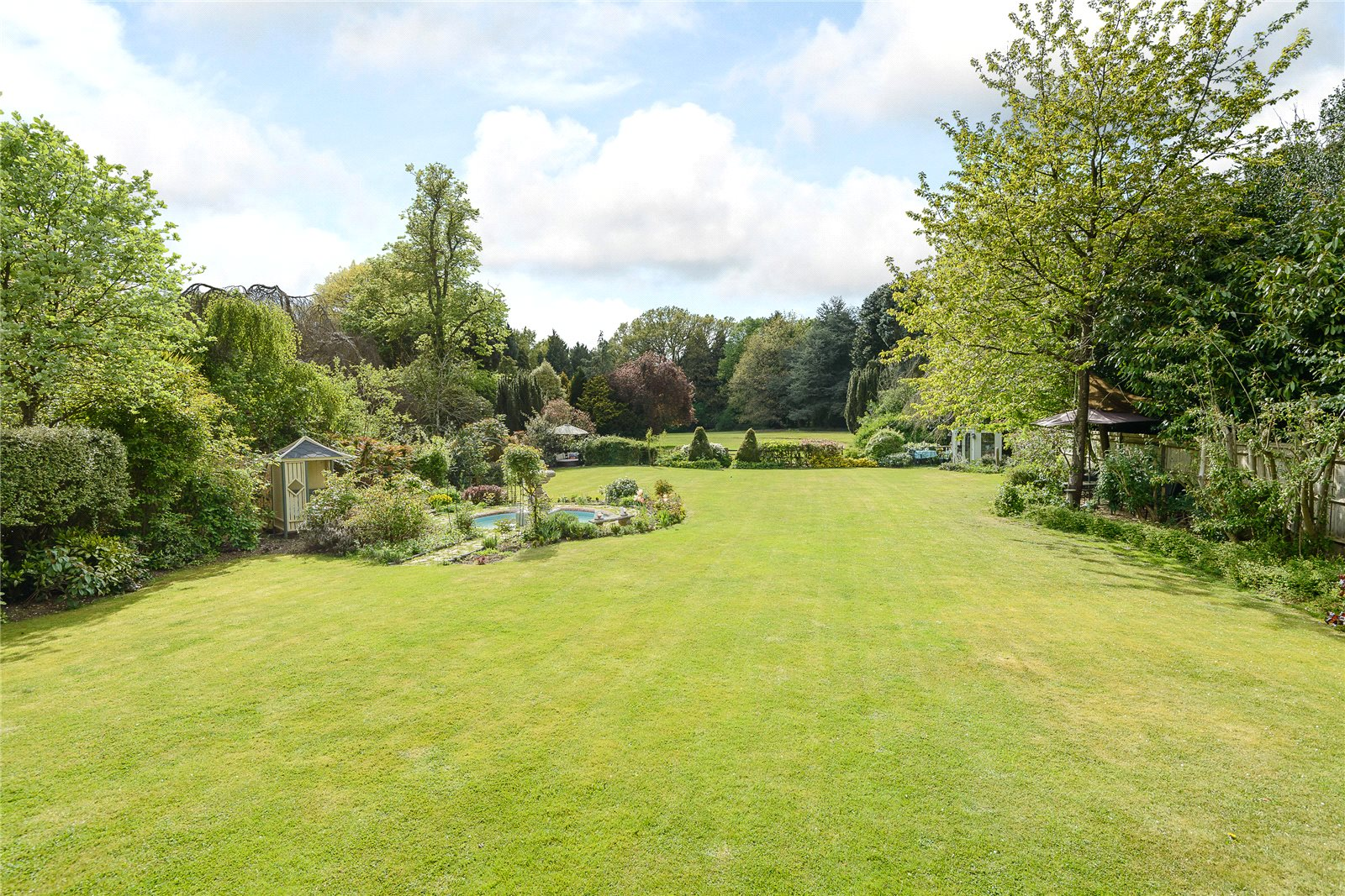 Additional photo for property listing at Kemsley Chase, Farnham Royal, Berkshire, SL2 Farnham Royal, 영국