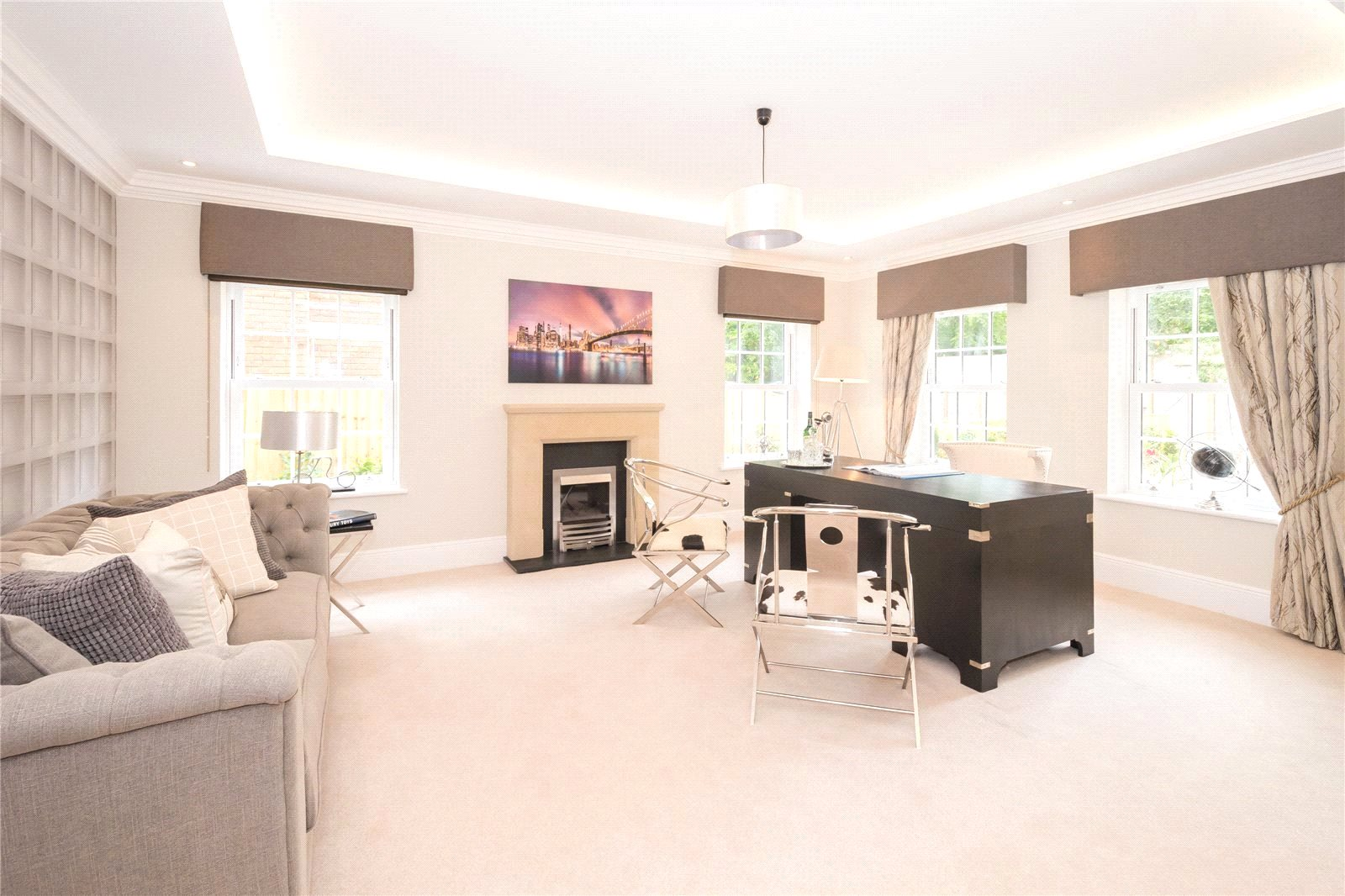 Additional photo for property listing at Fulmer Drive, Gerrards Cross, Buckinghamshire, SL9 Gerrards Cross, Αγγλια
