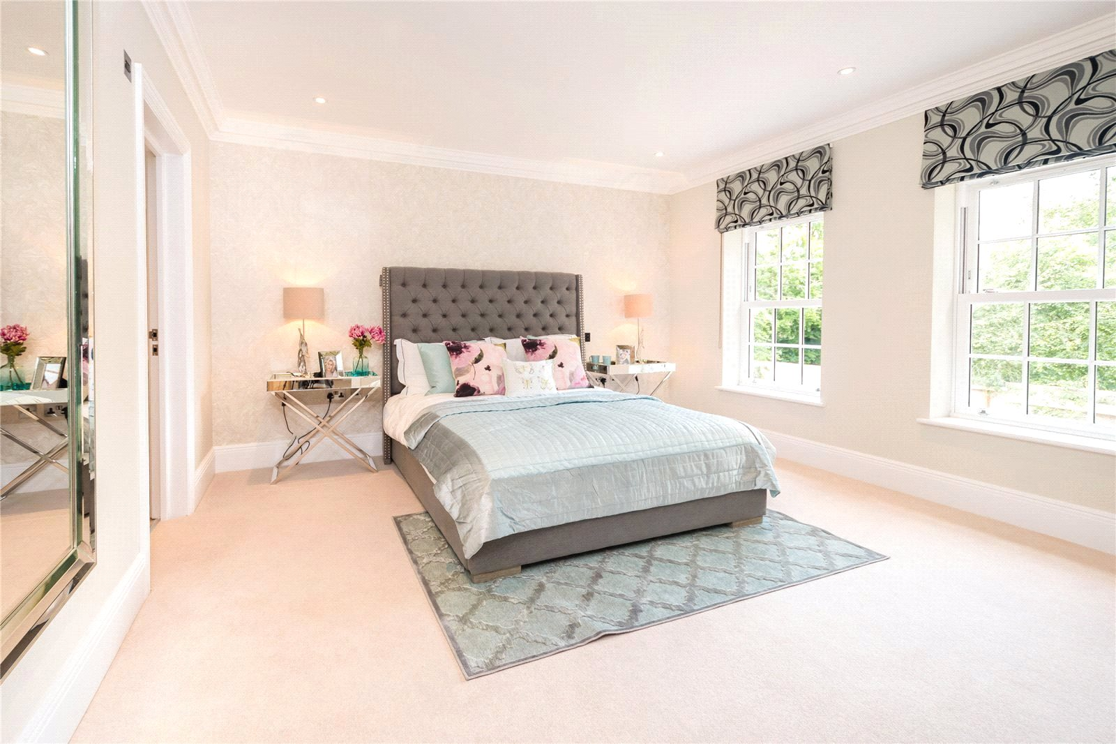 Additional photo for property listing at Fulmer Drive, Gerrards Cross, Buckinghamshire, SL9 Gerrards Cross, Англия