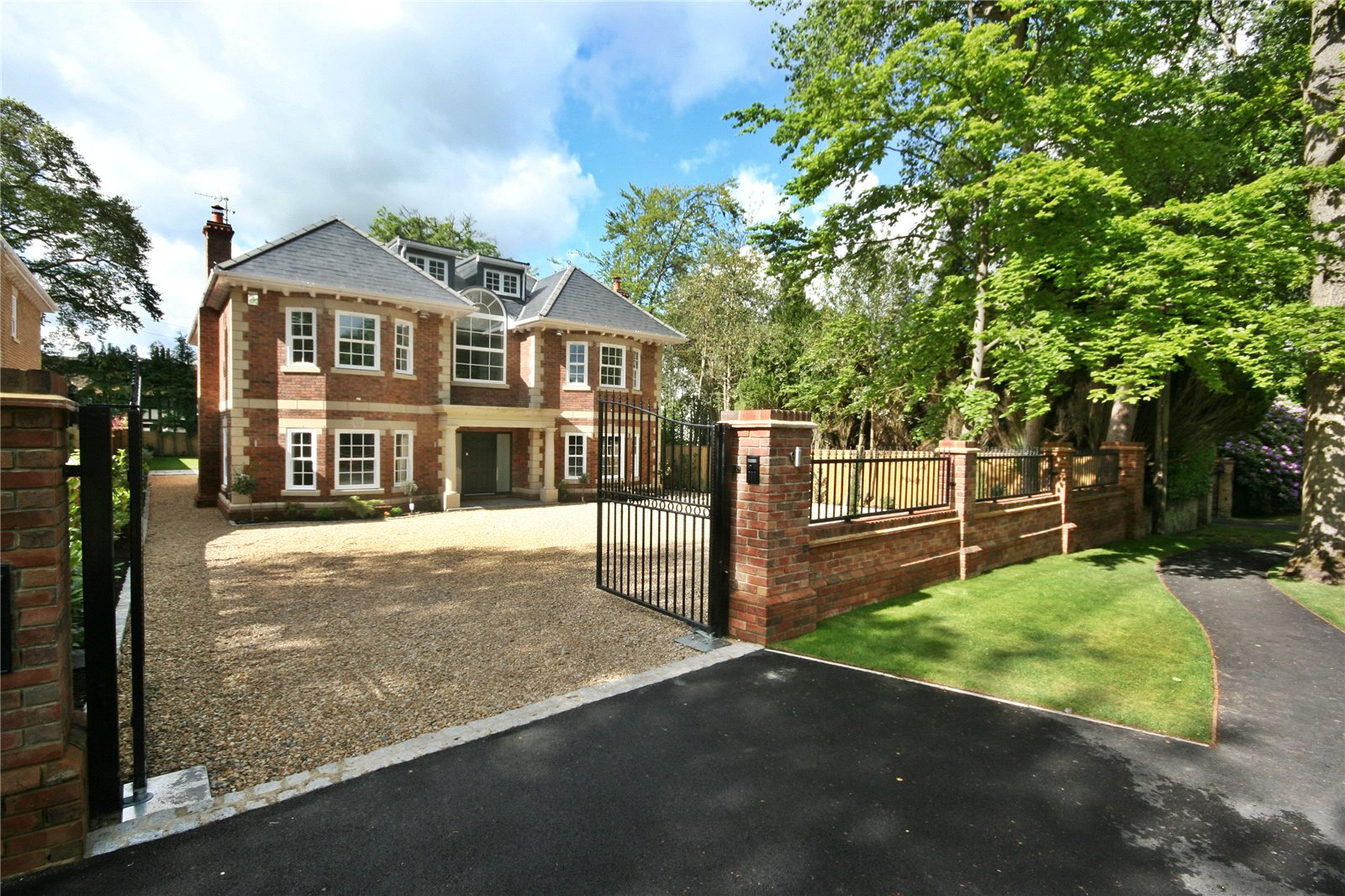 独户住宅 为 销售 在 Fulmer Drive, Gerrards Cross, Buckinghamshire, SL9 Gerrards Cross, 英格兰