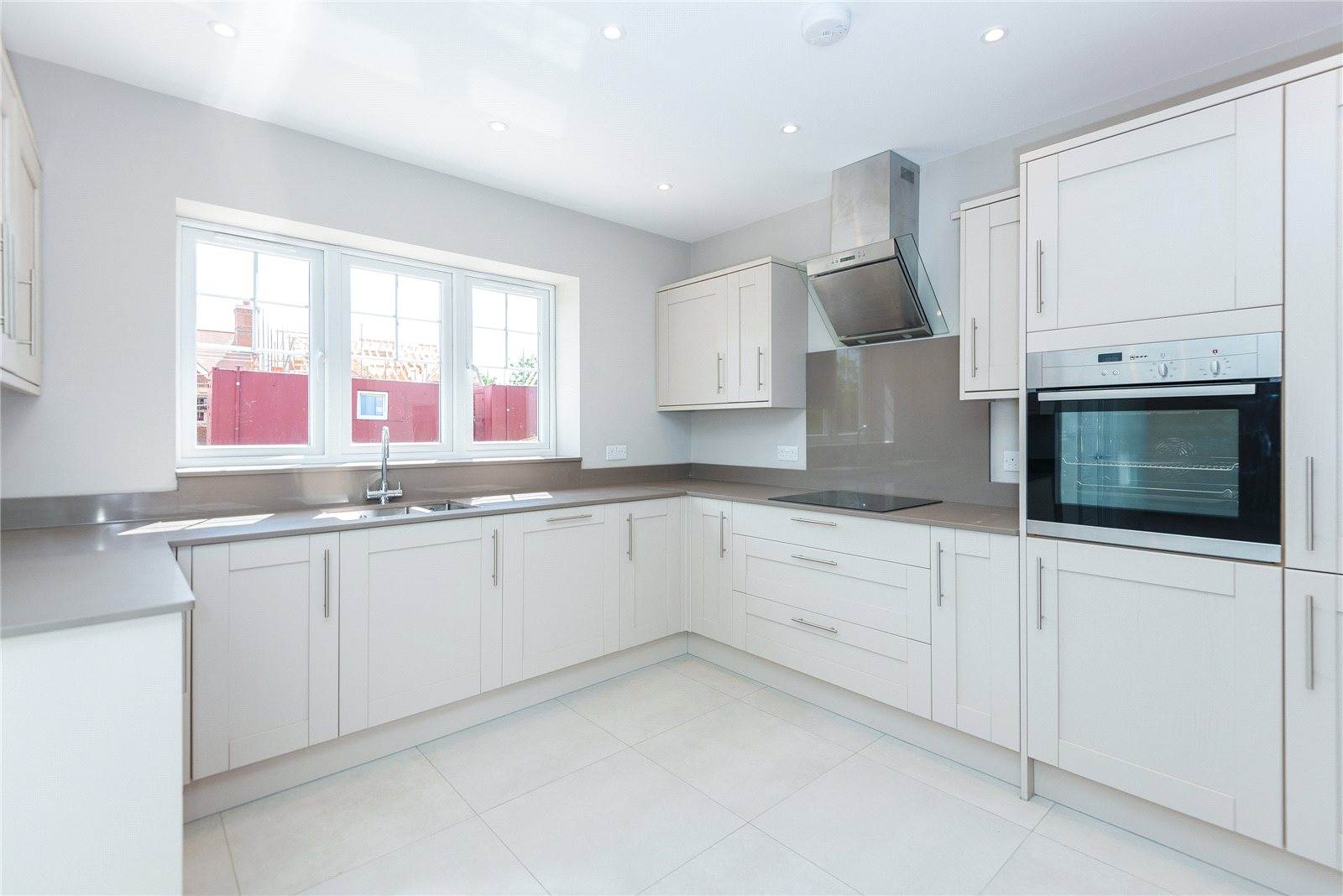 Additional photo for property listing at Hollybush Hill, Stoke Poges, Buckinghamshire, SL2 Stoke Poges, Inghilterra