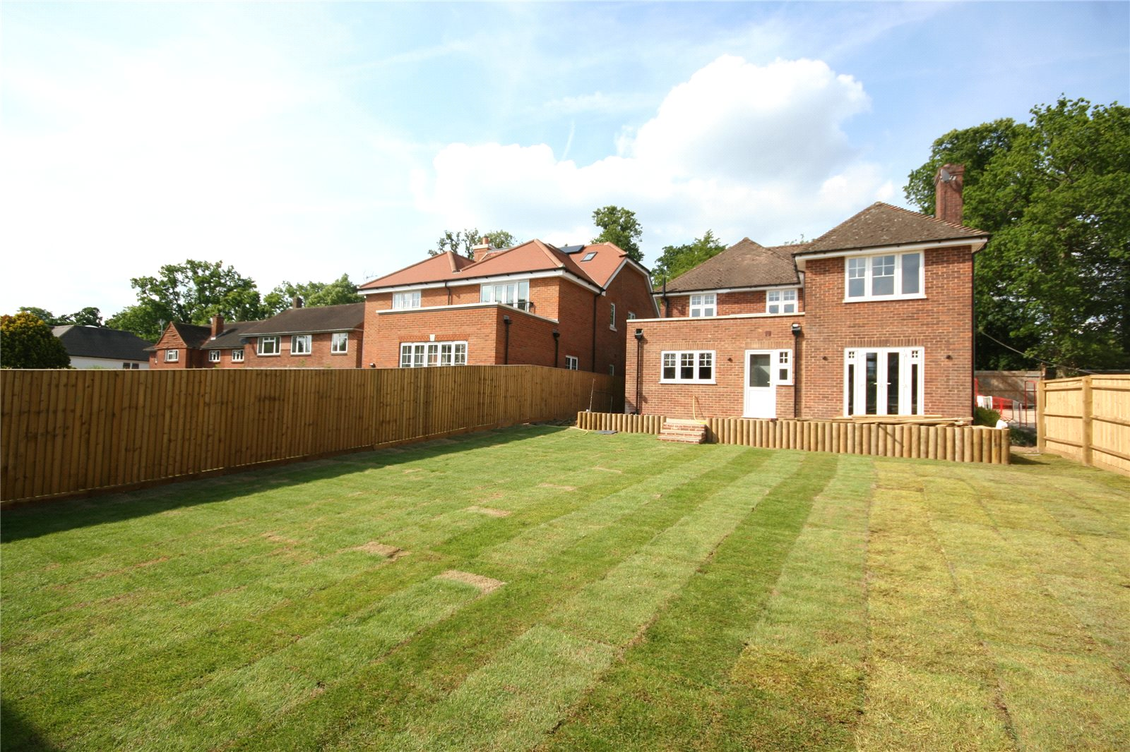 Additional photo for property listing at Hollybush Hill, Stoke Poges, Buckinghamshire, SL2 Stoke Poges, Англия