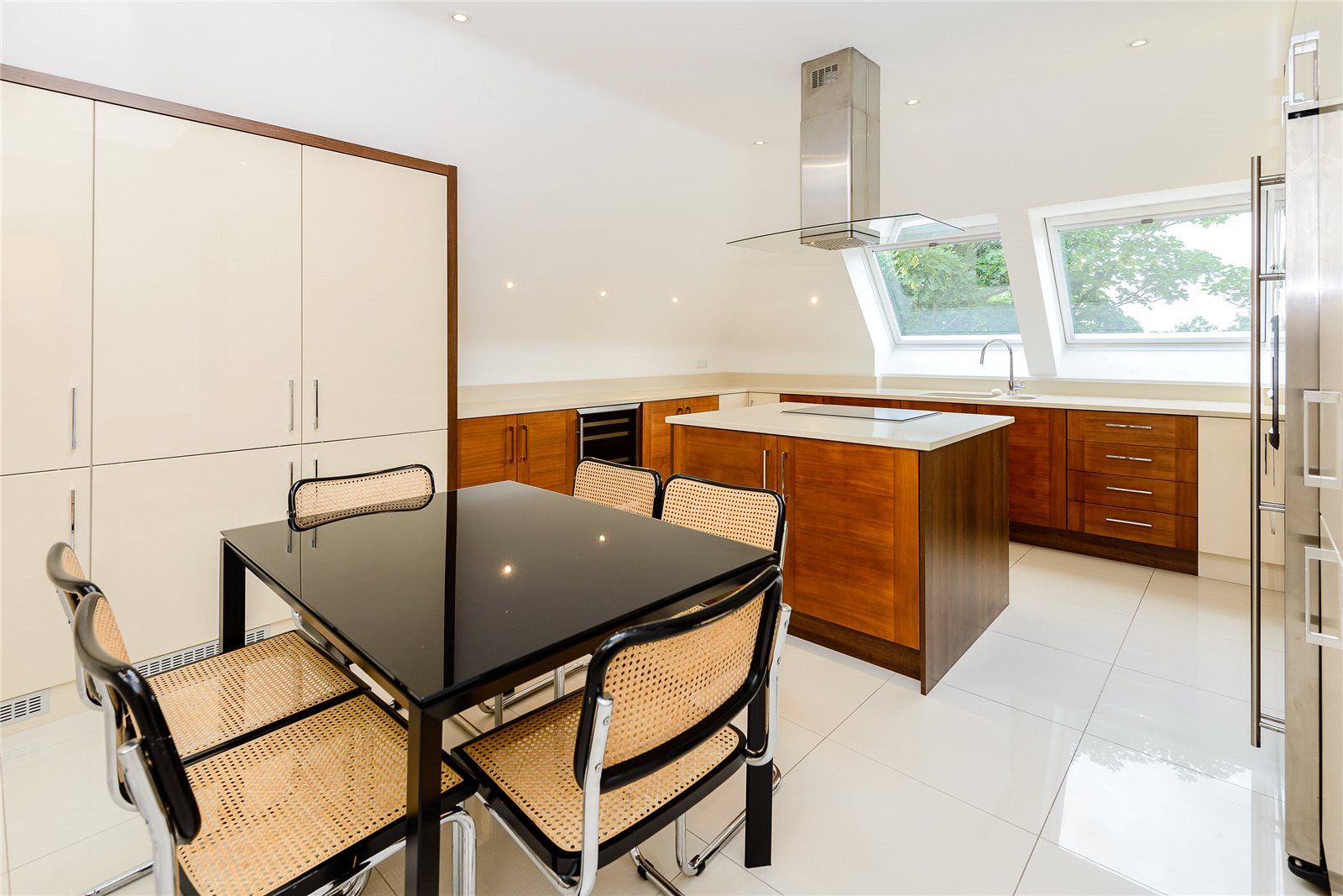 Additional photo for property listing at Claremont Court, 76 Packhorse Road, Gerrards Cross, Buckinghamshire, SL9 Gerrards Cross, Ingiltere