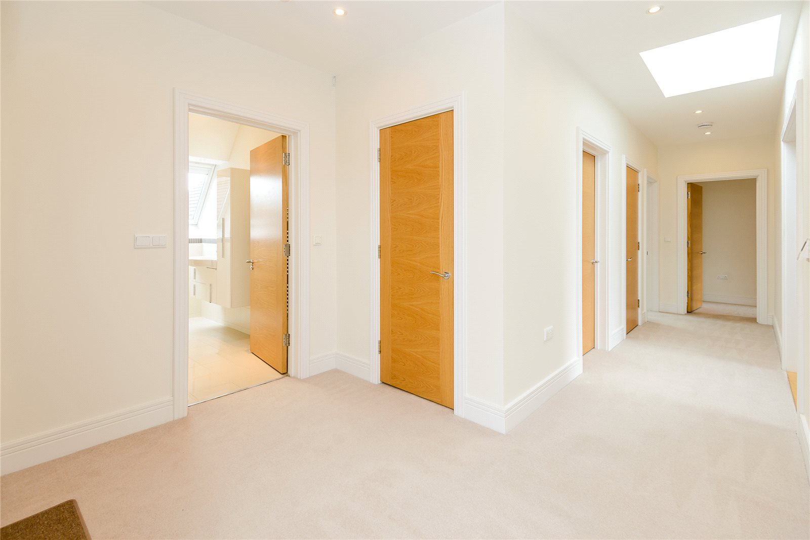 Additional photo for property listing at Claremont Court, 76 Packhorse Road, Gerrards Cross, Buckinghamshire, SL9 Gerrards Cross, Inglaterra