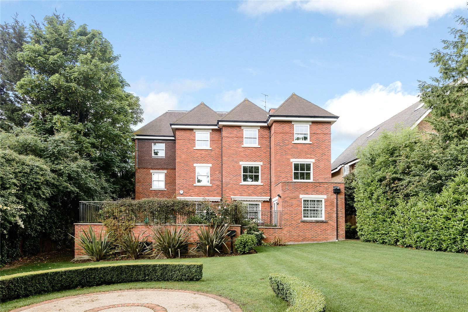 Additional photo for property listing at Claremont Court, 76 Packhorse Road, Gerrards Cross, Buckinghamshire, SL9 Gerrards Cross, 英格蘭
