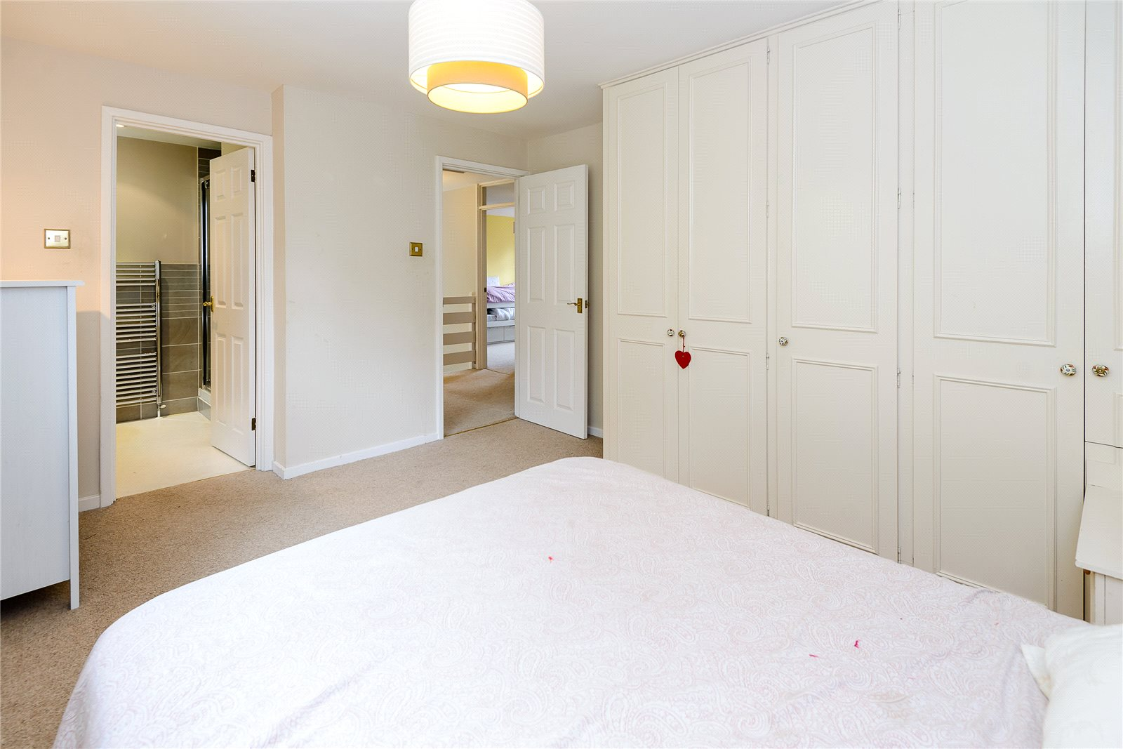 Additional photo for property listing at Ashlea Road, Chalfont St Peter, Gerrards Cross, Buckinghamshire, SL9 Gerrards Cross, Engeland