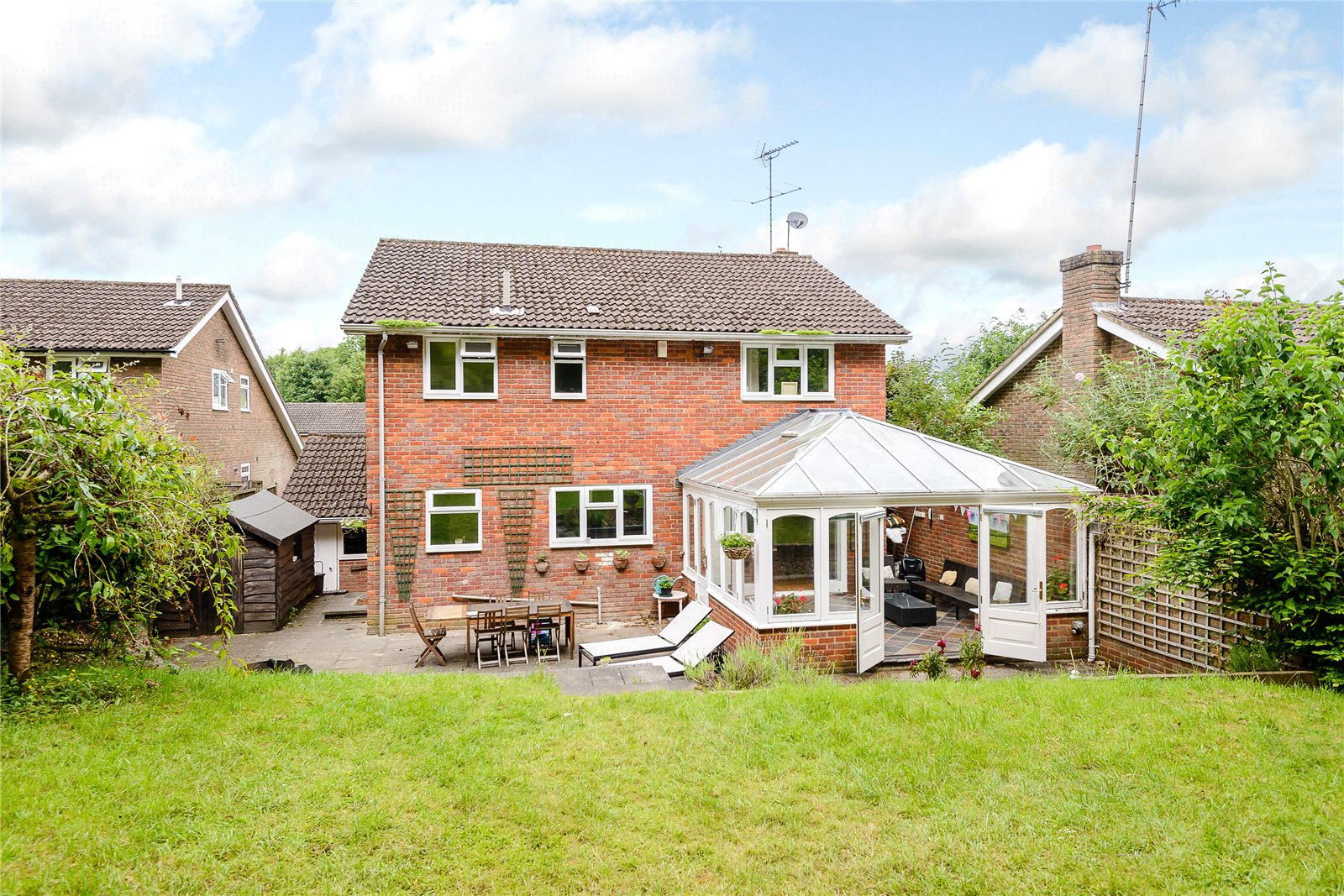 Additional photo for property listing at Ashlea Road, Chalfont St Peter, Gerrards Cross, Buckinghamshire, SL9 Gerrards Cross, Inglaterra