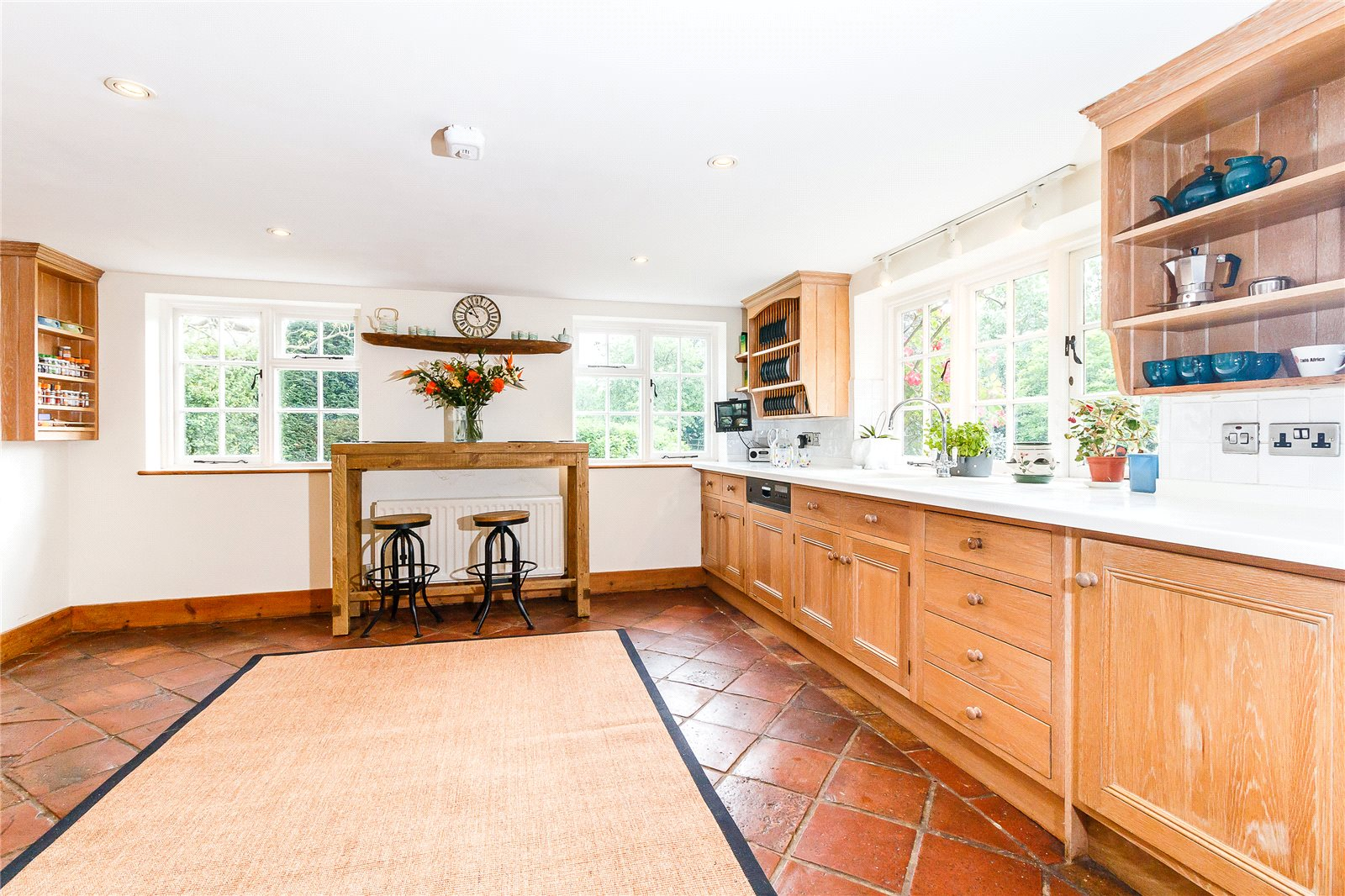 Additional photo for property listing at Newbarn Lane, Seer Green, Beaconsfield, Buckinghamshire, HP9 Beaconsfield, Αγγλια