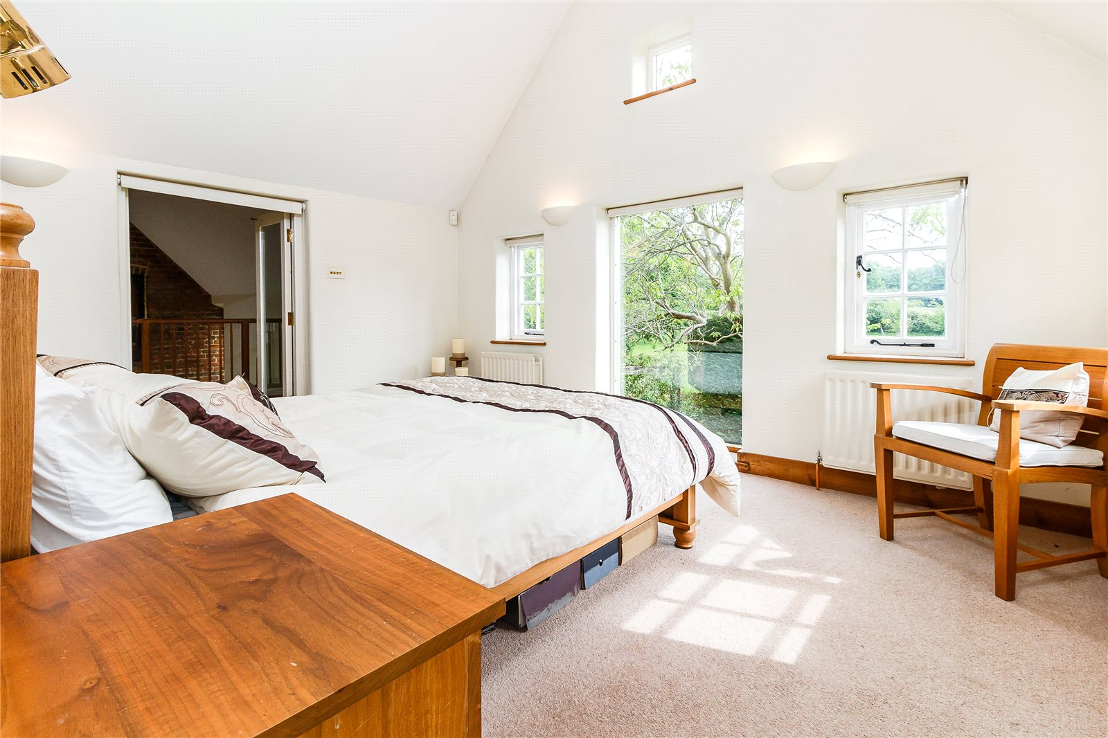Additional photo for property listing at Newbarn Lane, Seer Green, Beaconsfield, Buckinghamshire, HP9 Beaconsfield, イギリス