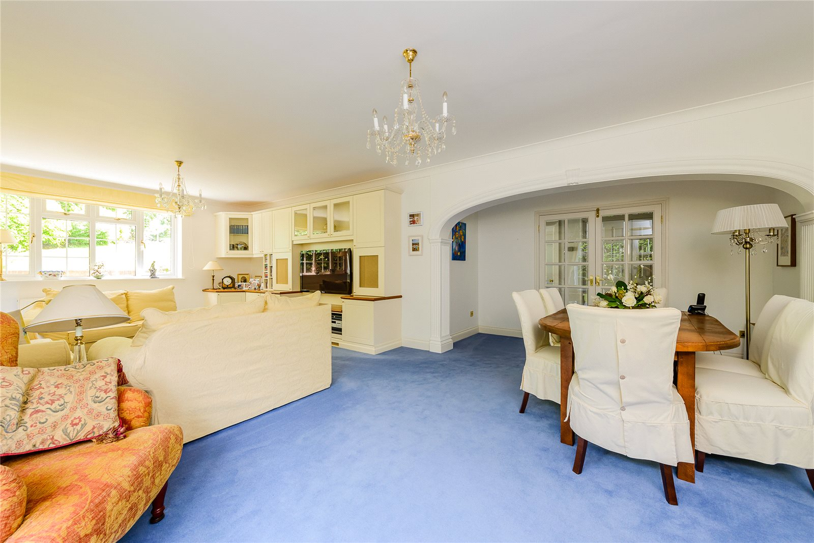 Additional photo for property listing at Penn Haven, 3 Oak End Way, Gerrards Cross, Buckinghamshire, SL9 Gerrards Cross, Inglaterra
