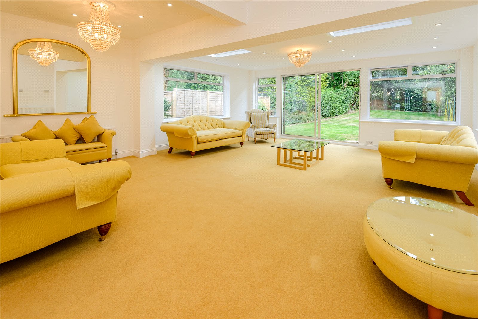 Additional photo for property listing at Birchdale, Gerrards Cross, Buckinghamshire, SL9 Gerrards Cross, Angleterre