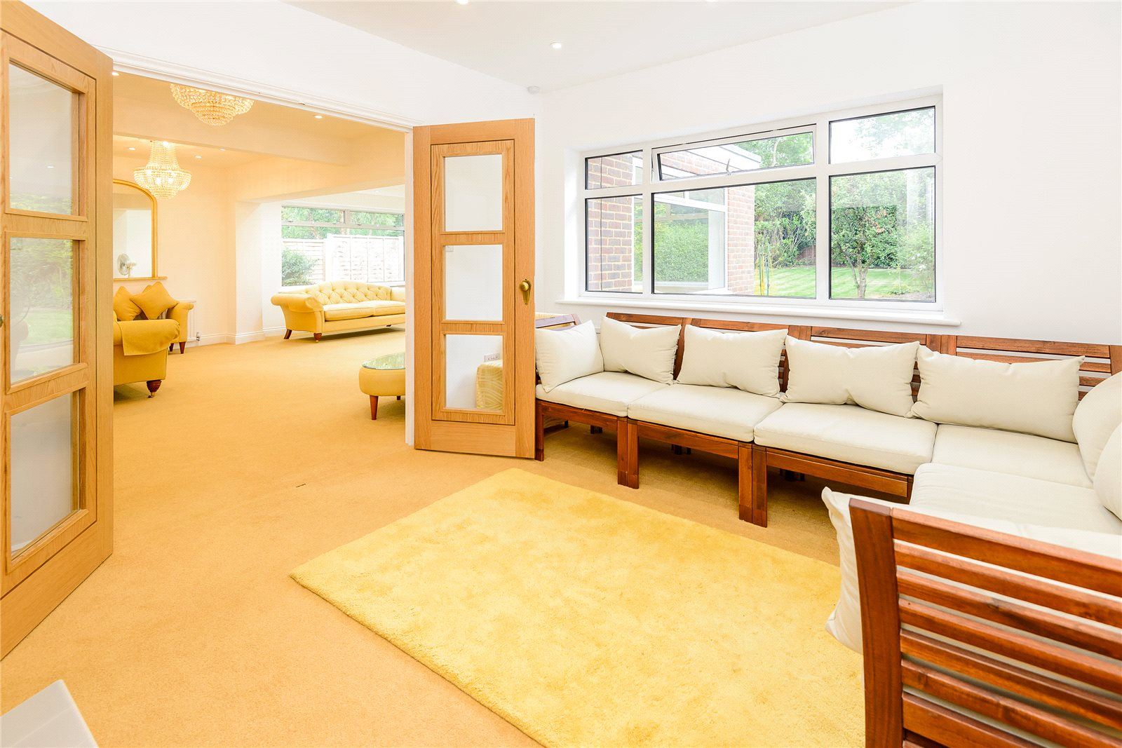 Additional photo for property listing at Birchdale, Gerrards Cross, Buckinghamshire, SL9 Gerrards Cross, 영국