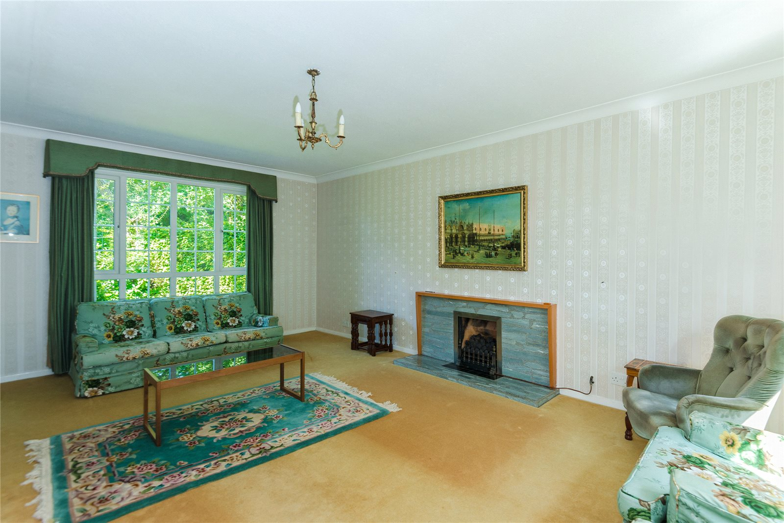 Additional photo for property listing at Howards Thicket, Gerrards Cross, Buckinghamshire, SL9 Gerrards Cross, Engeland