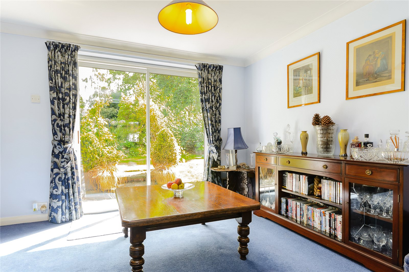 Additional photo for property listing at The Uplands, Gerrards Cross, Buckinghamshire, SL9 Gerrards Cross, Англия
