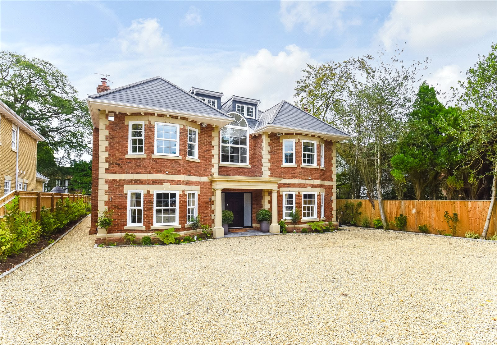 Additional photo for property listing at Fulmer Drive, Gerrards Cross, Buckinghamshire, SL9 Gerrards Cross, 영국