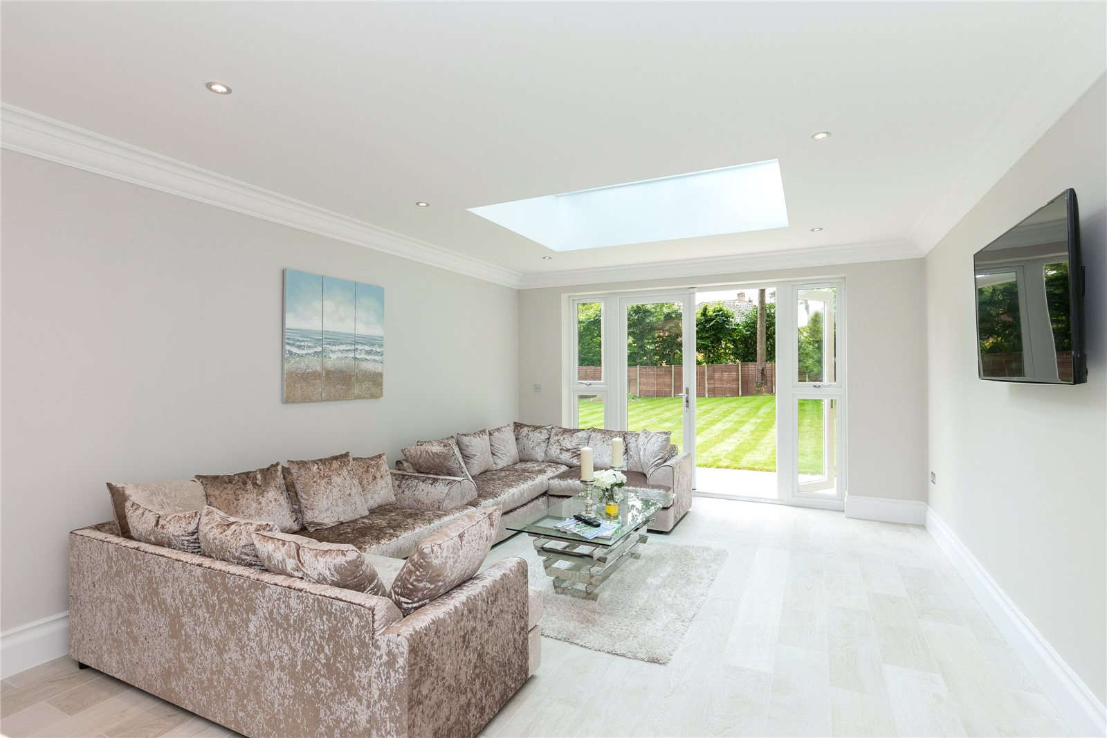 Additional photo for property listing at Fulmer Road, Gerrards Cross, Buckinghamshire, SL9 Gerrards Cross, Anh Quốc