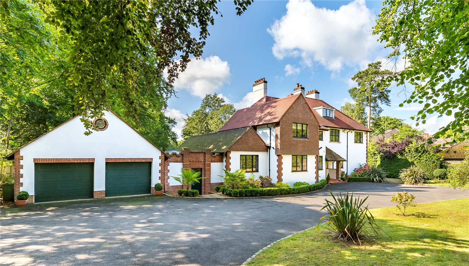 Vivienda unifamiliar por un Venta en Hurtmore Road, Hurtmore, Godalming, Surrey, GU7 Godalming, Inglaterra