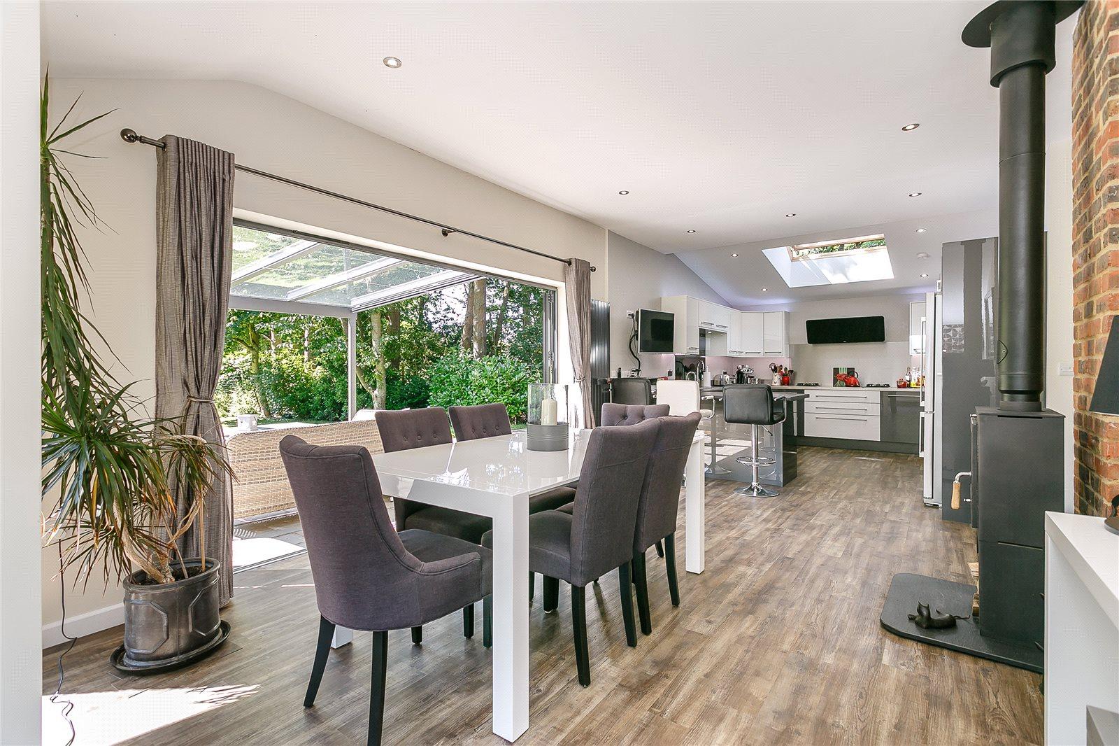 Casa para uma família para Venda às Shophouse Lane, Albury, Guildford, Surrey, GU5 Guildford, Inglaterra