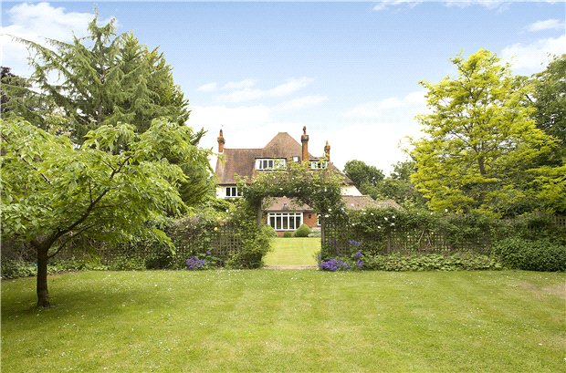 Single Family Home for Sale at Aldersey Road, Guildford, Surrey, GU1 Guildford, England