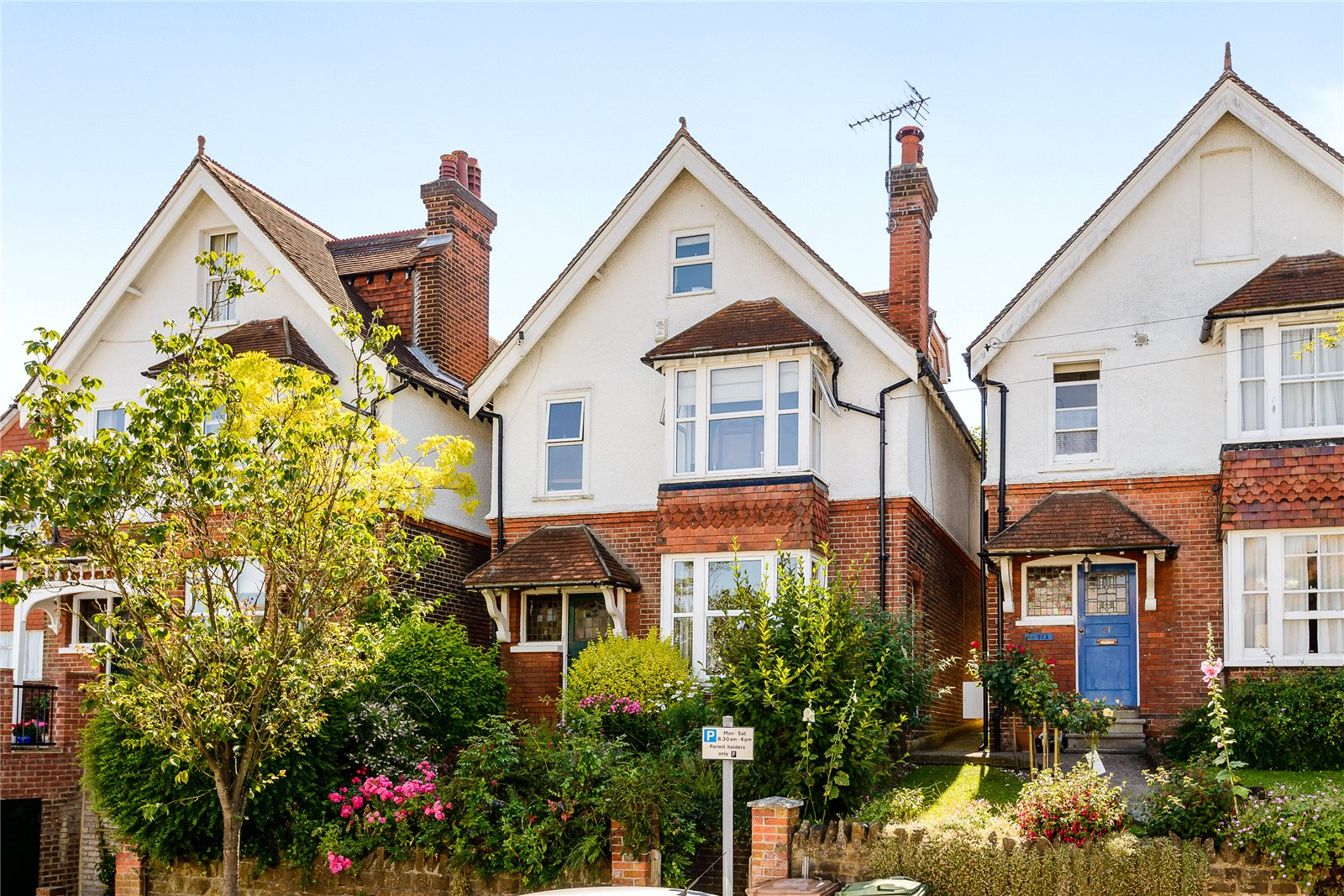Mareschal Road, Guildford - GBR (photo 1)