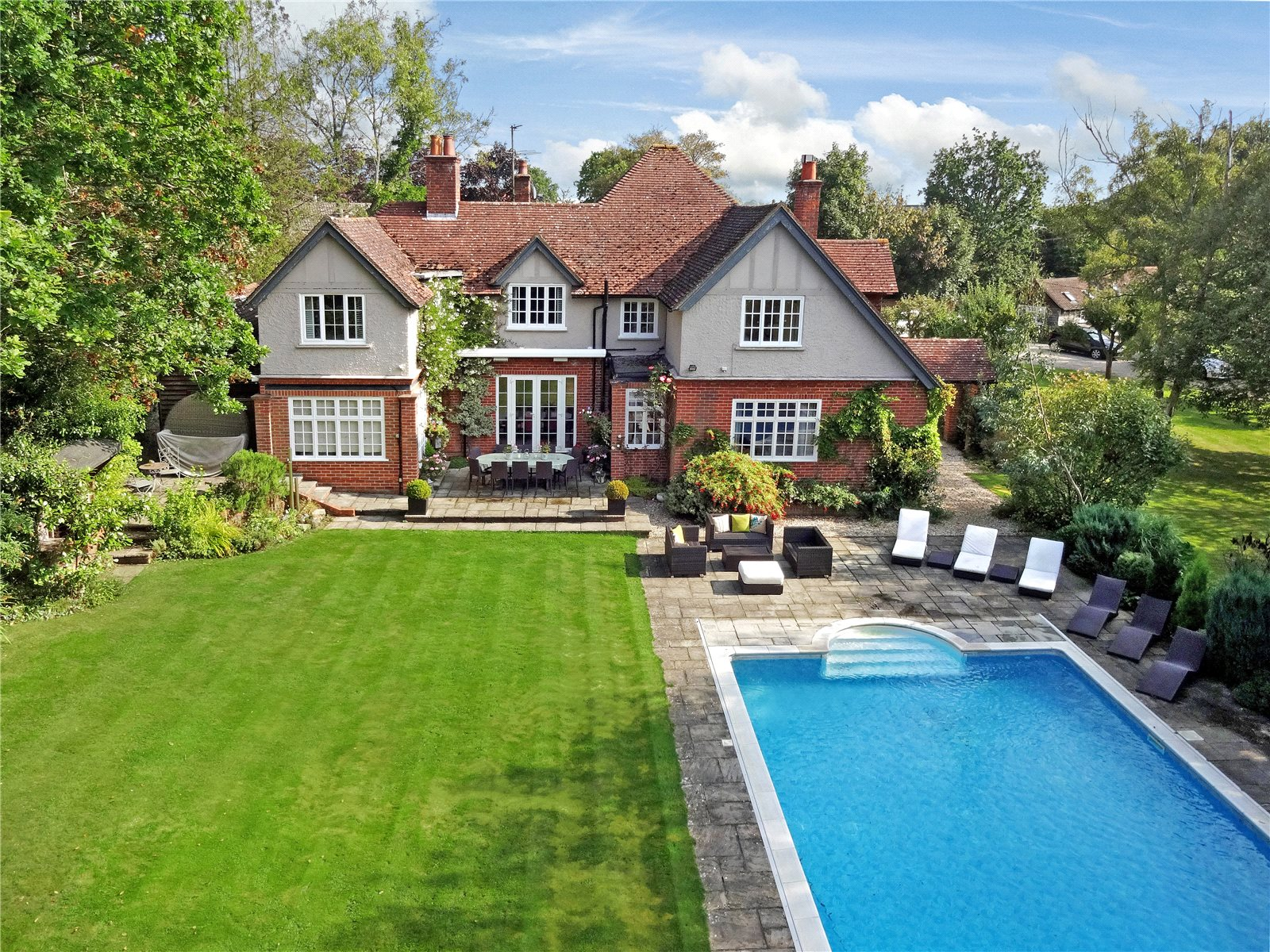 獨棟家庭住宅 為 出售 在 The Avenue, Bucklebury, Reading, Berkshire, RG7 Reading, 英格蘭