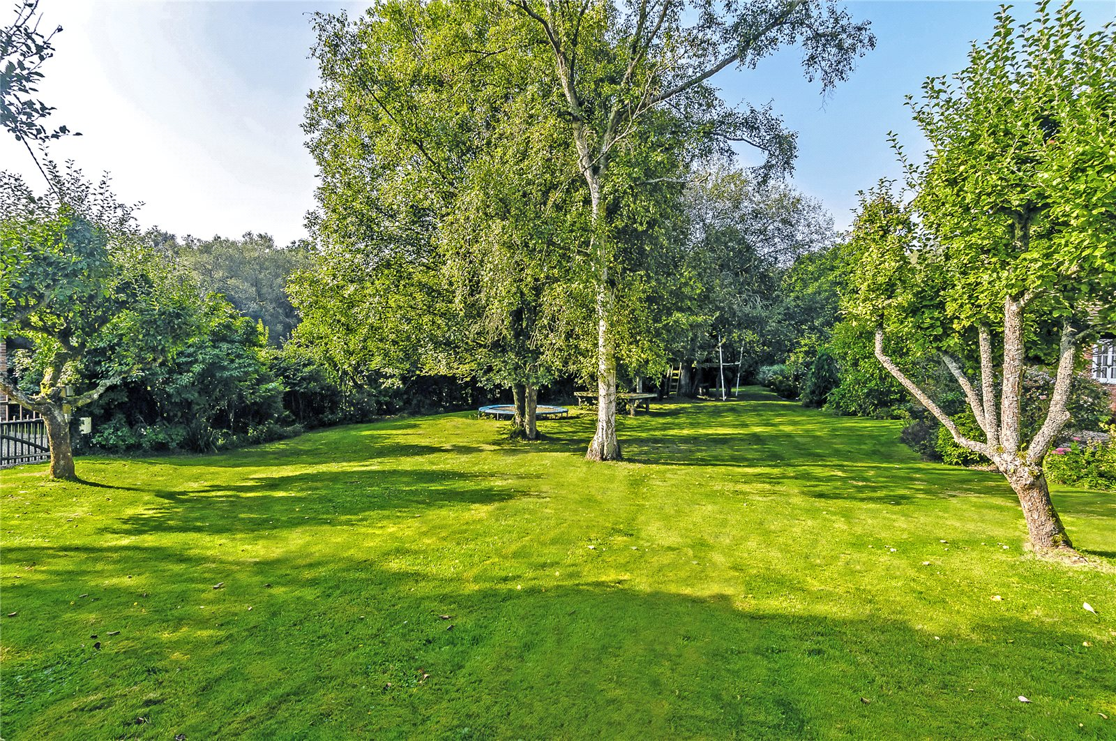 Additional photo for property listing at The Avenue, Bucklebury, Reading, Berkshire, RG7 Reading, Angleterre