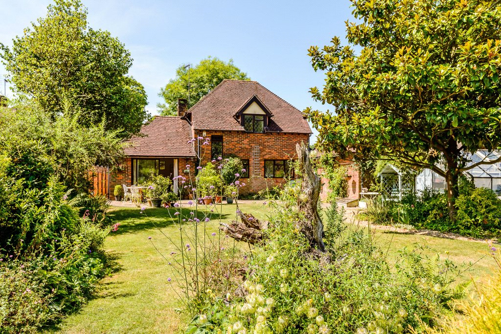 Villa per Vendita alle ore The Common, Dunsfold, Godalming, Surrey, GU8 Godalming, Inghilterra