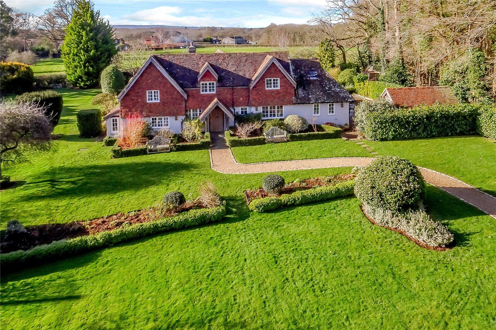 Частный дом для того Продажа на Hurlands Lane, Dunsfold, Godalming, Surrey, GU8 Godalming, Англия