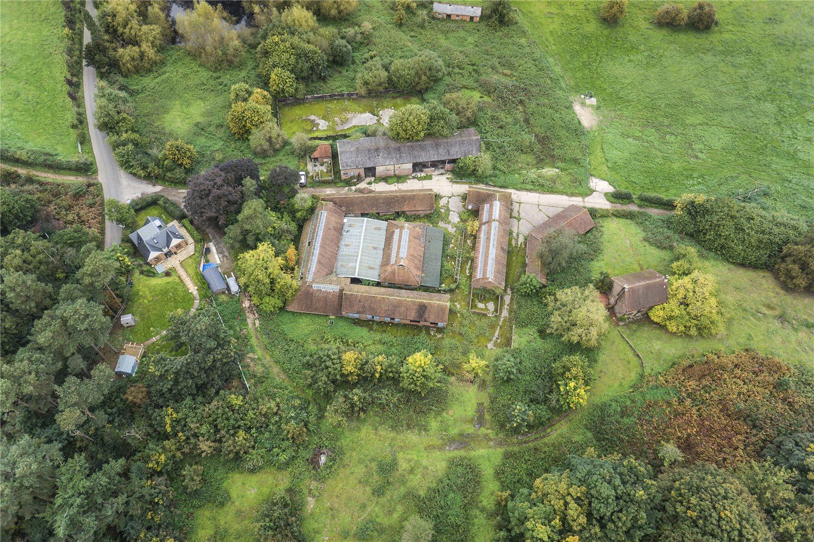 Fazenda / Quinta / Rancho / Plantação para Venda às Halfpenny Lane, Guildford, Surrey, GU4 Guildford, Inglaterra