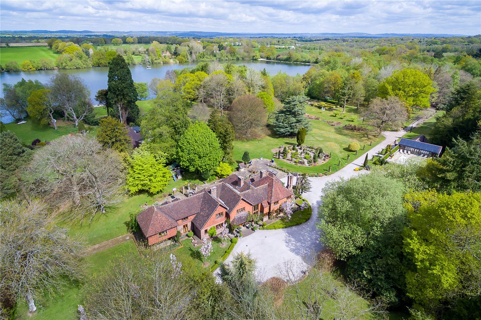 Single Family Home for Sale at Copthorne Road, Felbridge, Surrey, RH19 Surrey, England