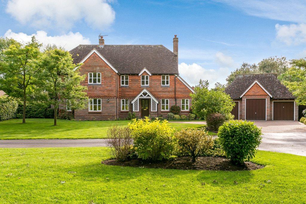 独户住宅 为 销售 在 Swallowfield Copse, Southwater, Horsham, West Sussex, RH13 Horsham, 英格兰