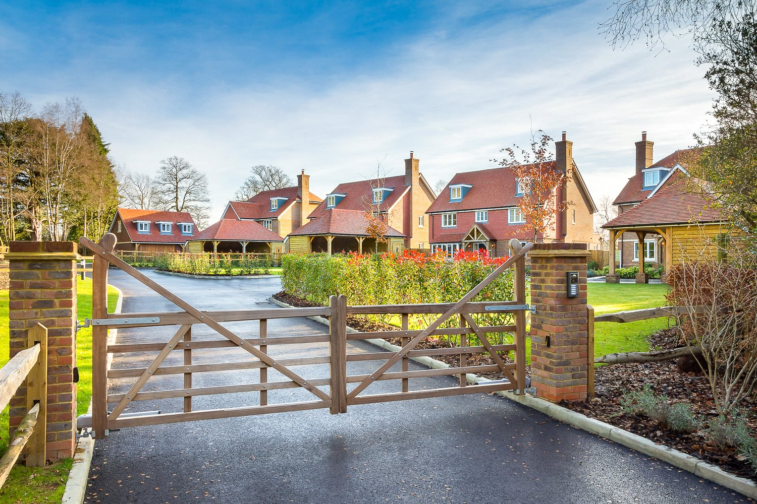 Additional photo for property listing at Forest Road, Colgate, Horsham, West Sussex, RH12 Horsham, England