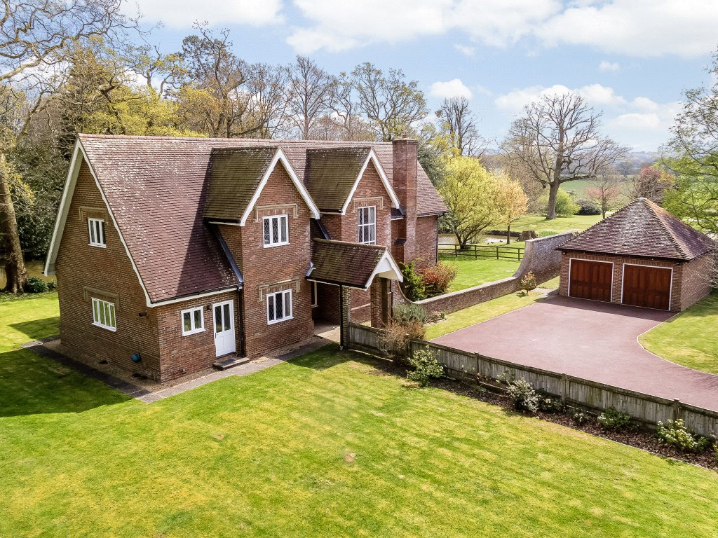 Частный дом для того Продажа на Shermanbury Grange, Brighton Road, Shermanbury, West Sussex, RH13 Shermanbury, Англия