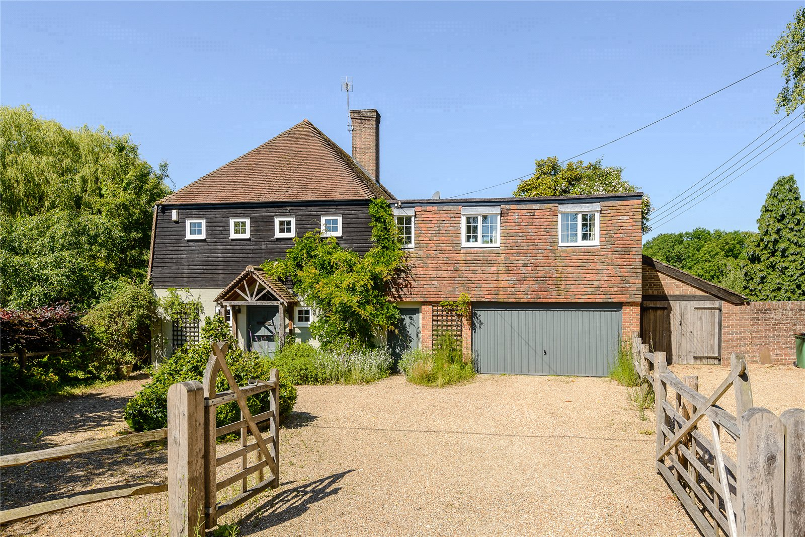 단독 가정 주택 용 매매 에 Old Holbrook, Horsham, West Sussex, RH12 Horsham, 영국