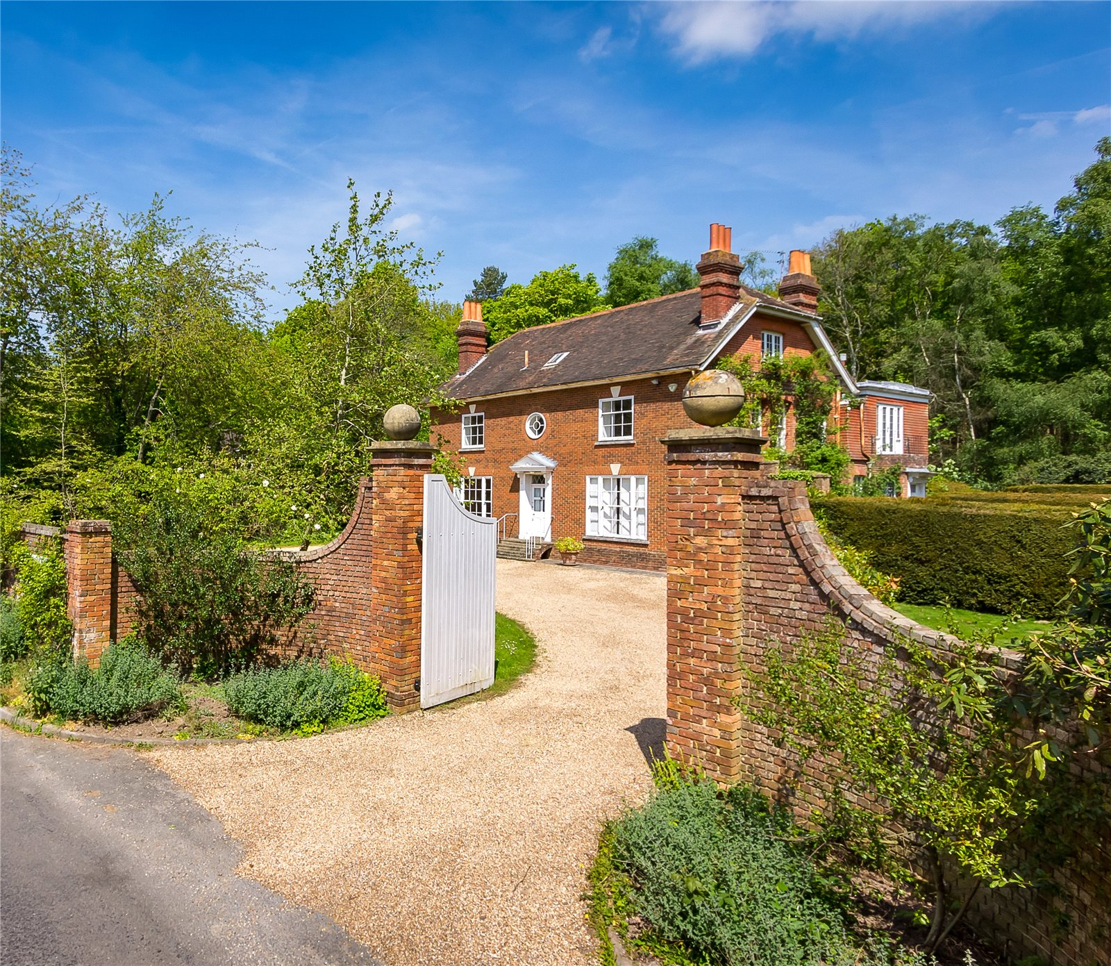 Additional photo for property listing at Blackhouse Road, Colgate, Horsham, West Sussex, RH13 Horsham, Angleterre
