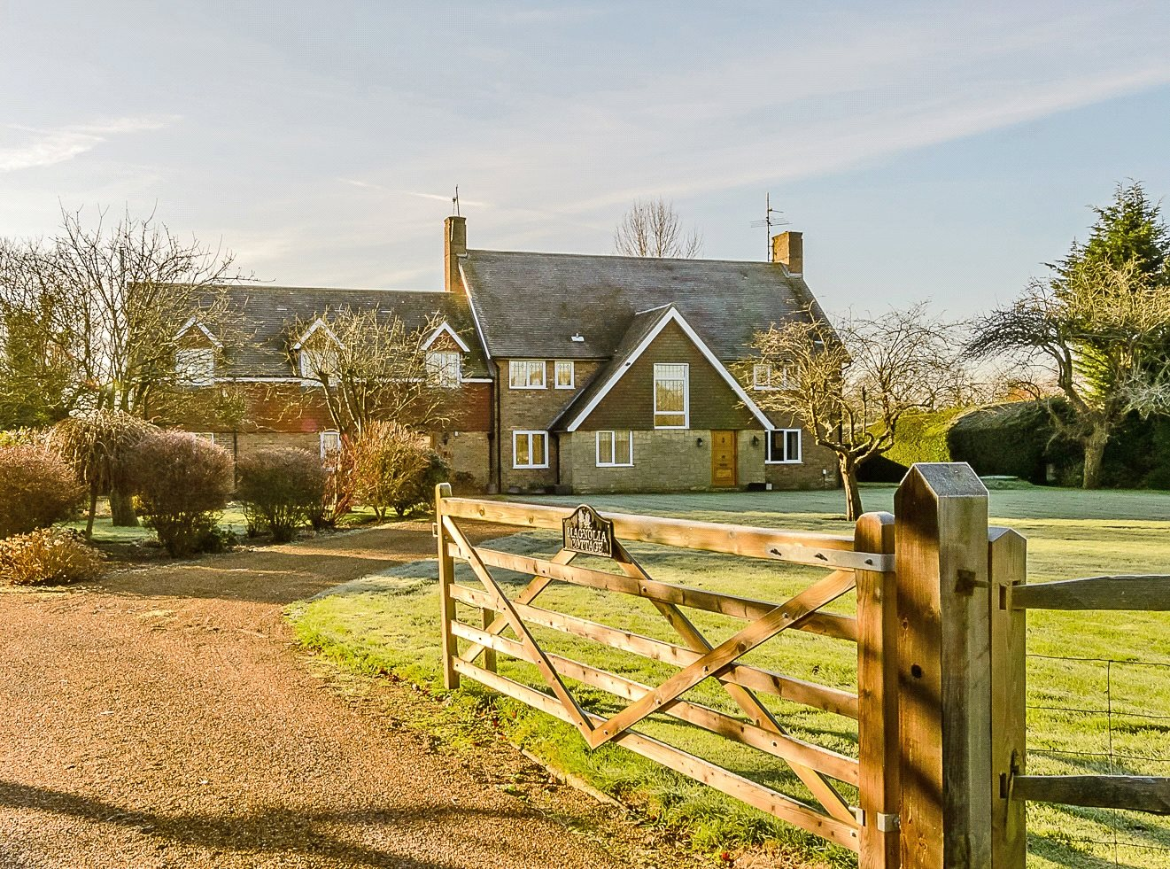 独户住宅 为 销售 在 Lyons Road, Slinfold, Horsham, West Sussex, RH13 Horsham, 英格兰