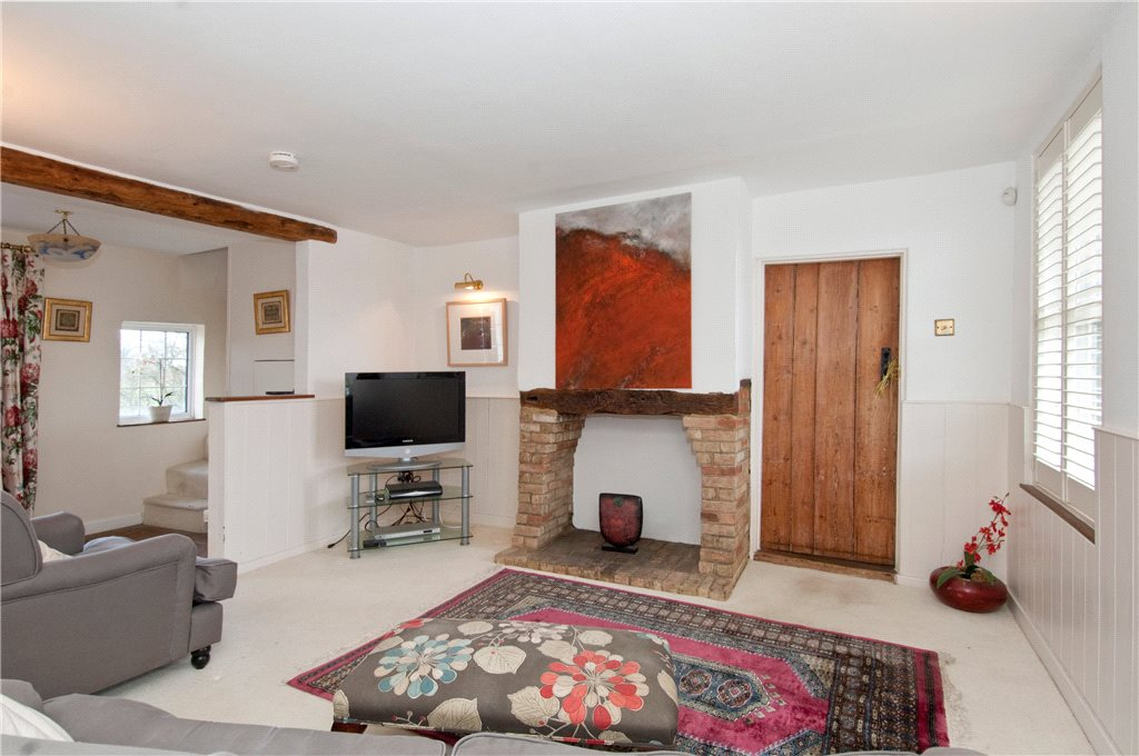 Additional photo for property listing at Whiteway Bottom, Luton, Bedfordshire, LU2 Luton, England