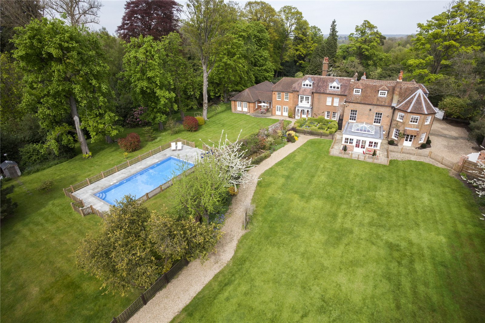 Additional Photo For Property Listing At Park Lane Old Knebworth Hertfordshire