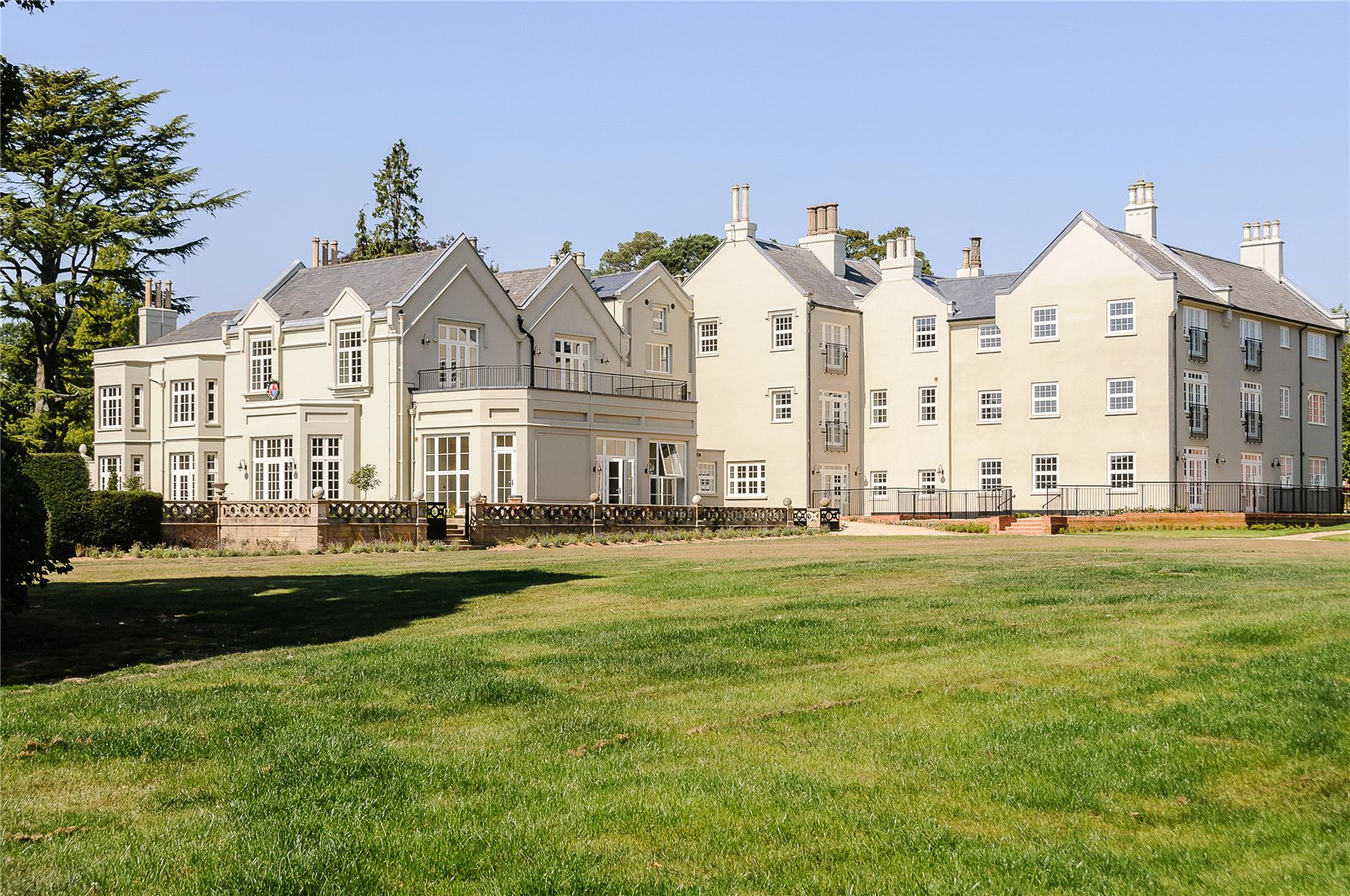 Apartments / Residences for Sale at Node Park, Codicote, Hitchin, Herts, SG4 Herts, England