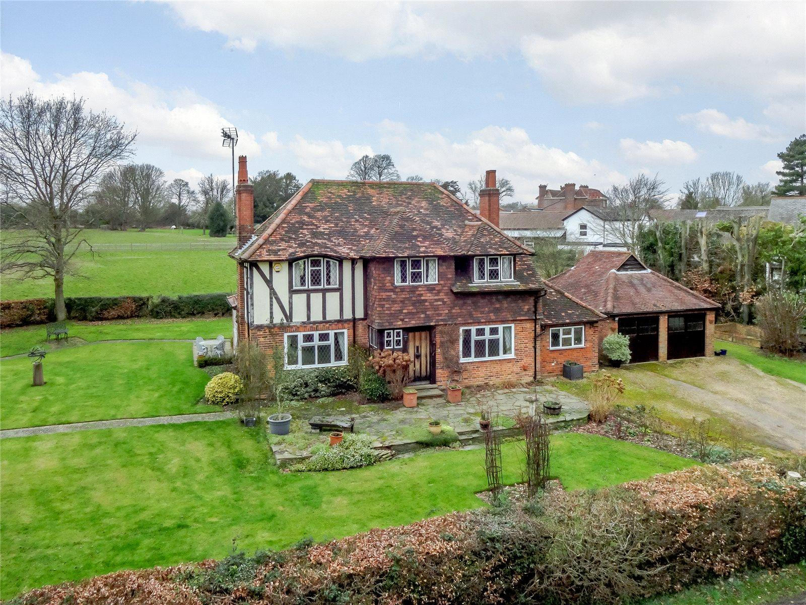 Maison unifamiliale pour l Vente à Redbourn Lane, Harpenden, Hertfordshire, AL5 Harpenden, Angleterre