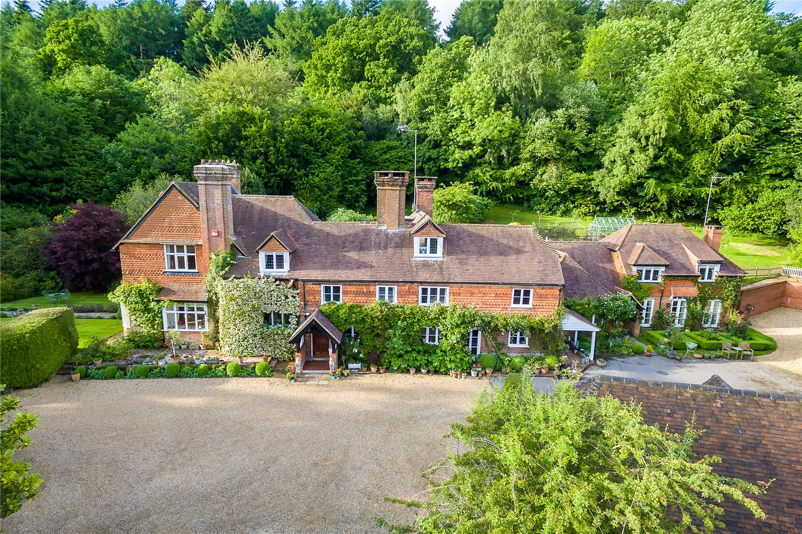 Single Family Home for Sale at Bell Vale Lane, Haslemere, Surrey, GU27 Haslemere, England