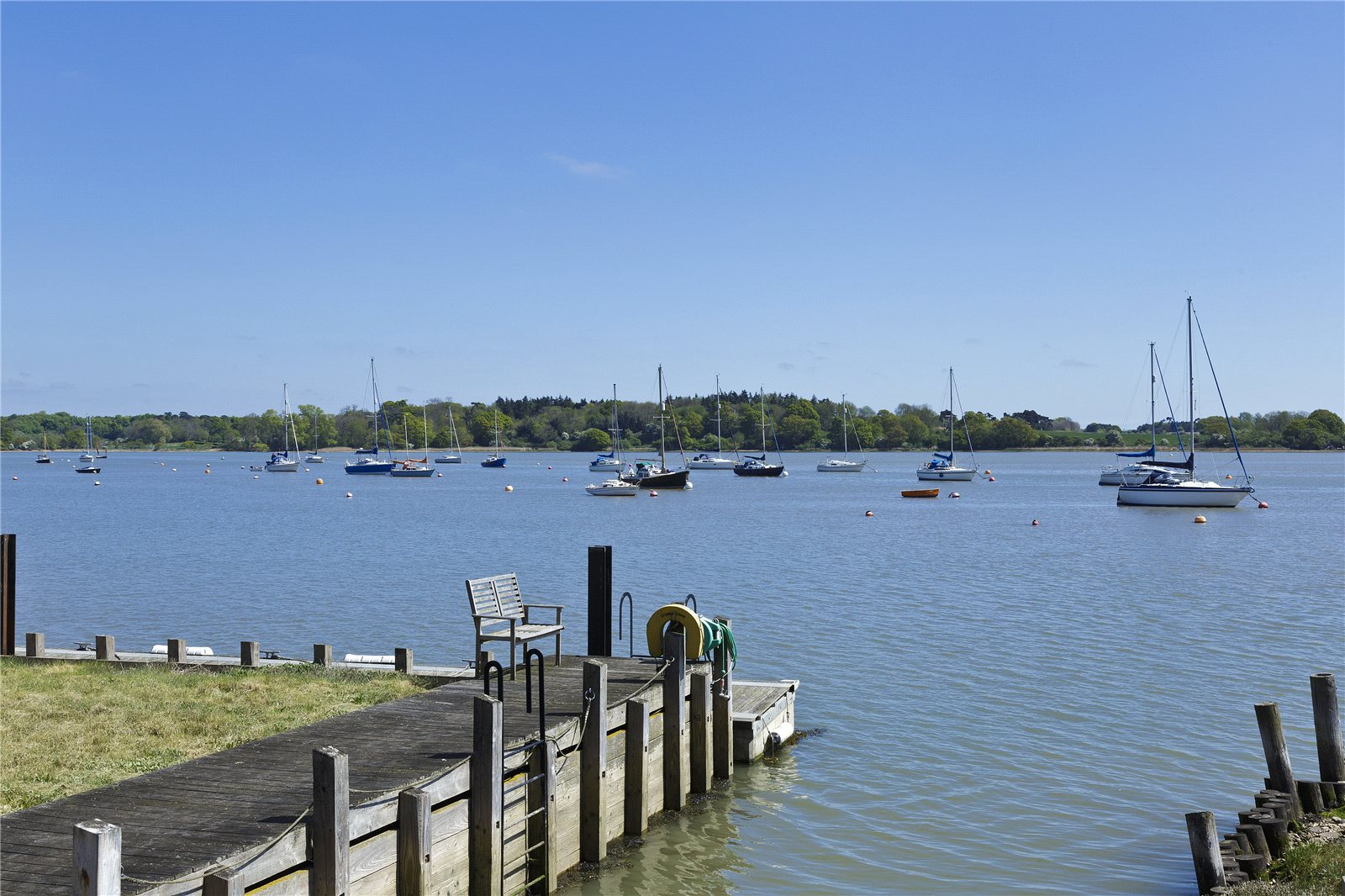 Additional photo for property listing at The Quay, Waldringfield, Woodbridge, Suffolk, IP12 Woodbridge, England