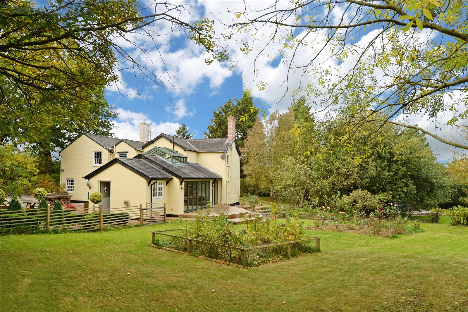 Single Family Home for Sale at Pentlow, Sudbury, Suffolk, CO10 Sudbury, England